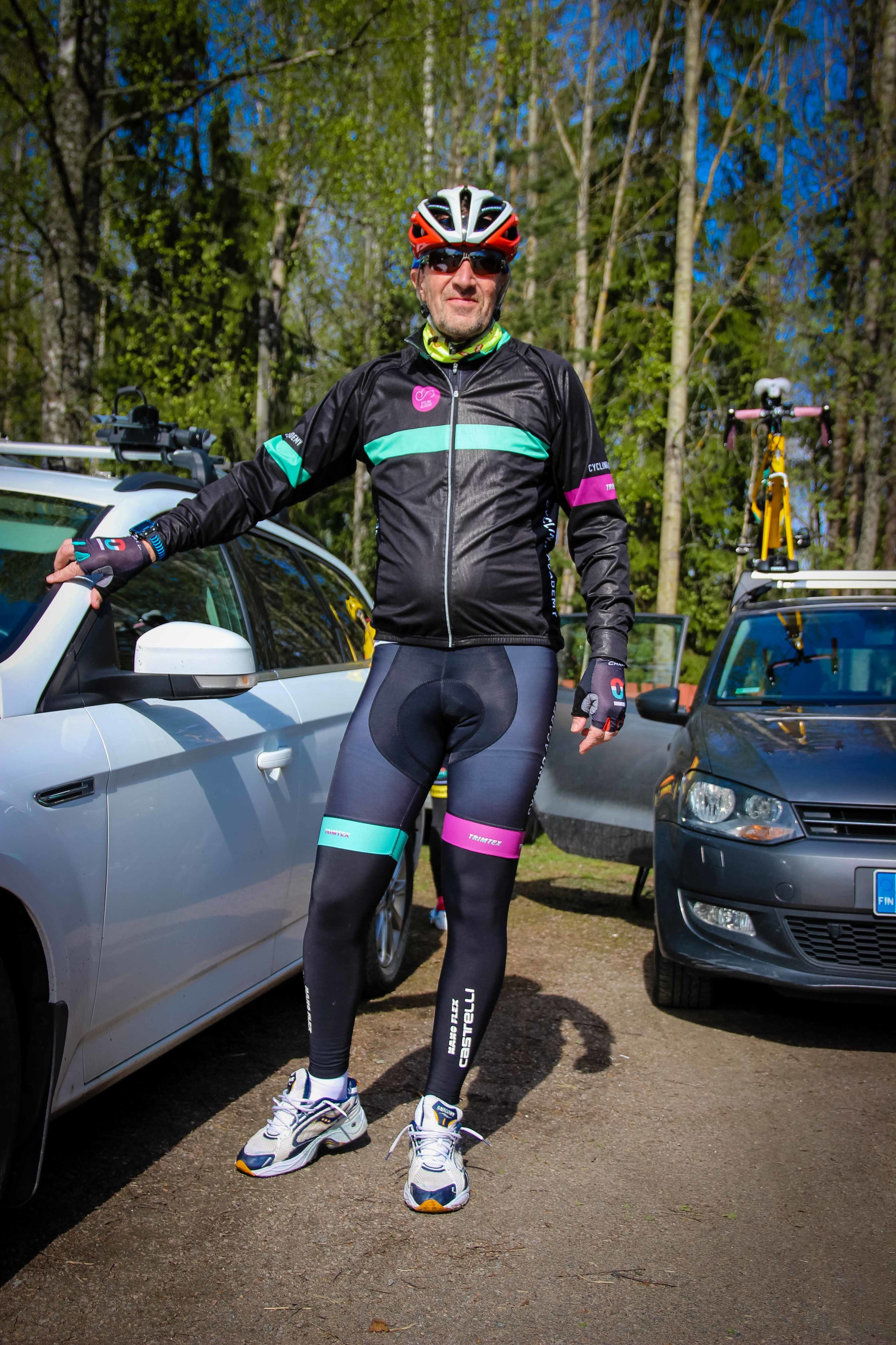 Peter Selin was all smiles before the race and would be commentating stage 9 of the Giro later on in the afternoon.