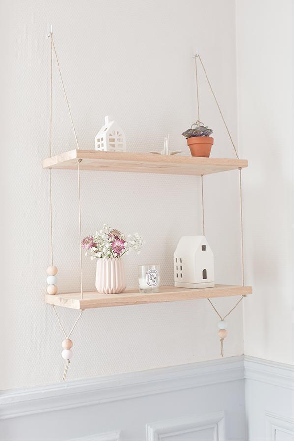 diy hanging shelf by carnets parisiens