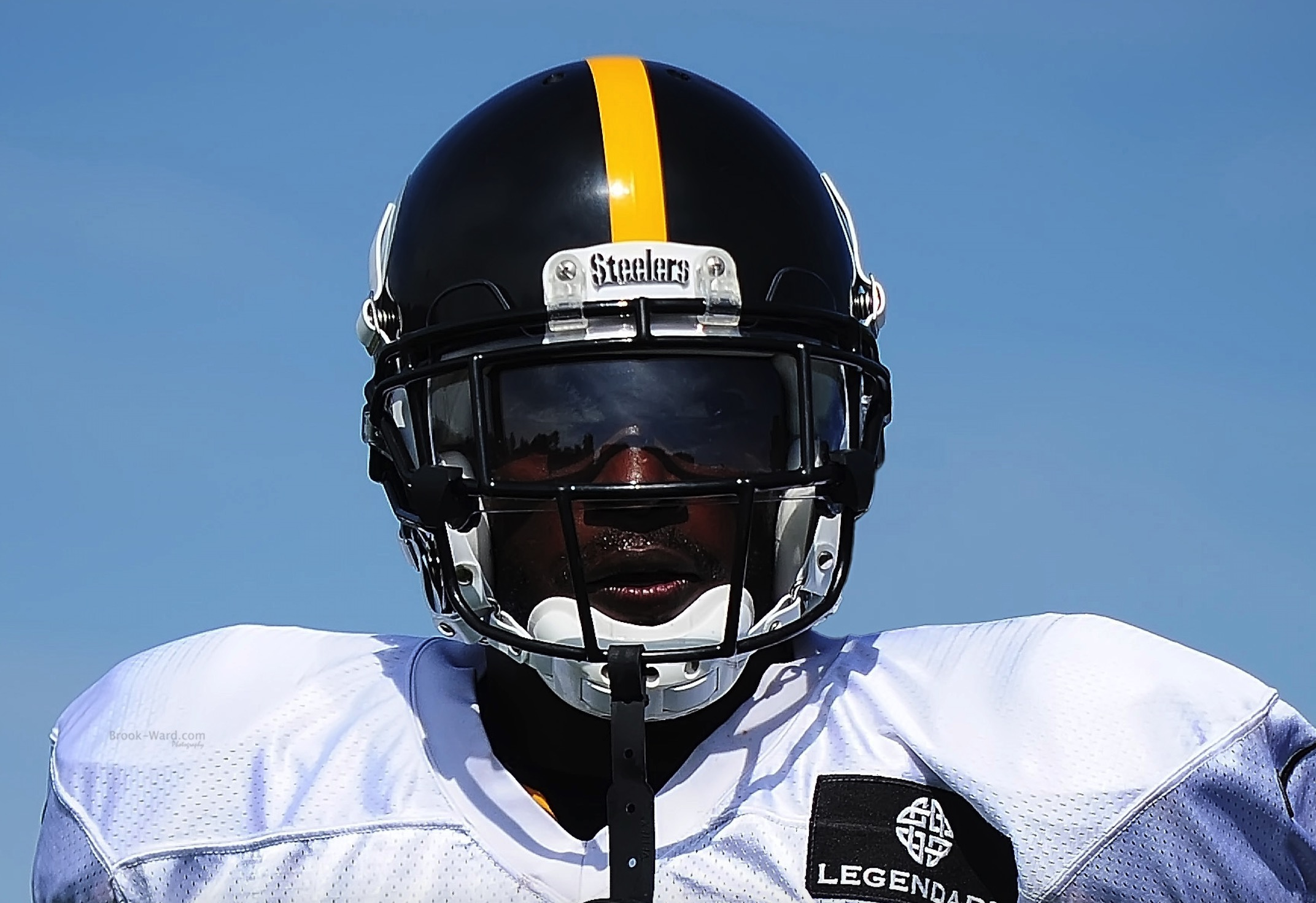 To view the entire gallery of photos from the joint practice, click the photo above.