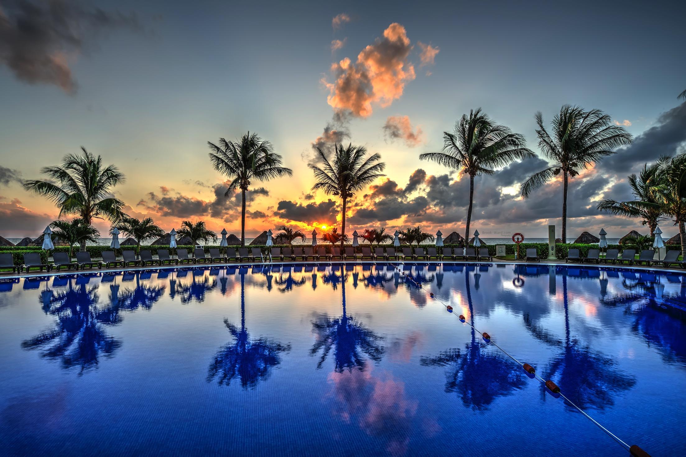 Mexico Pool Side
