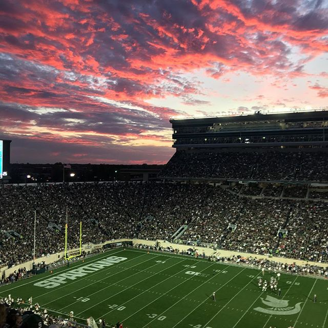 #skyonfire at #spartanstadium #msu #gogreen