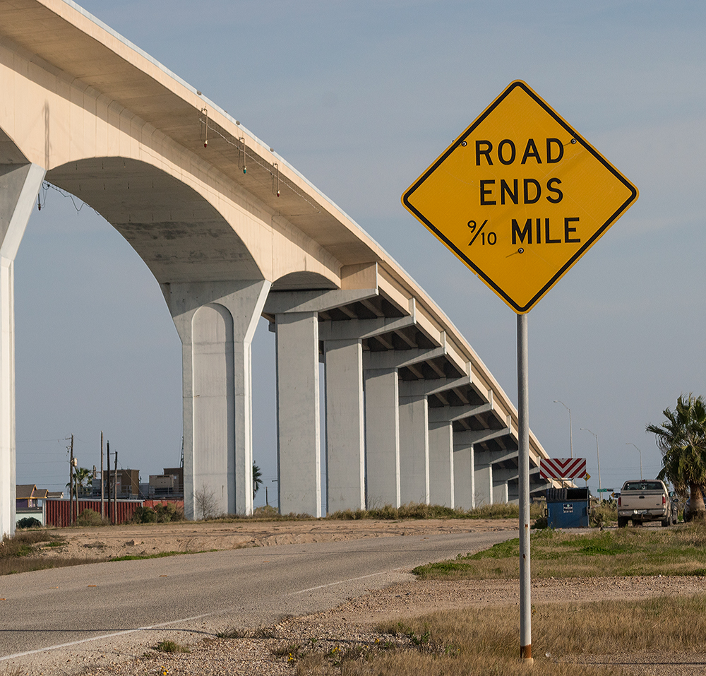 Don't you admire the precision of our Texas Highway Department?    Sony A77II with Sony 70-400 G2  f/9.0  1/1250 sec ISO 400