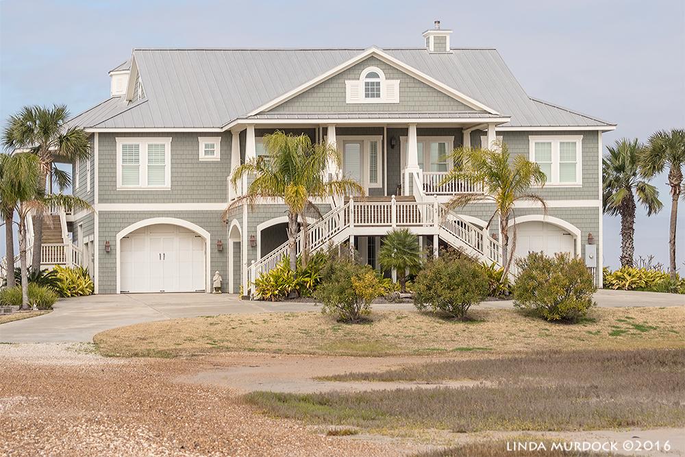 Just a little beach cottage....