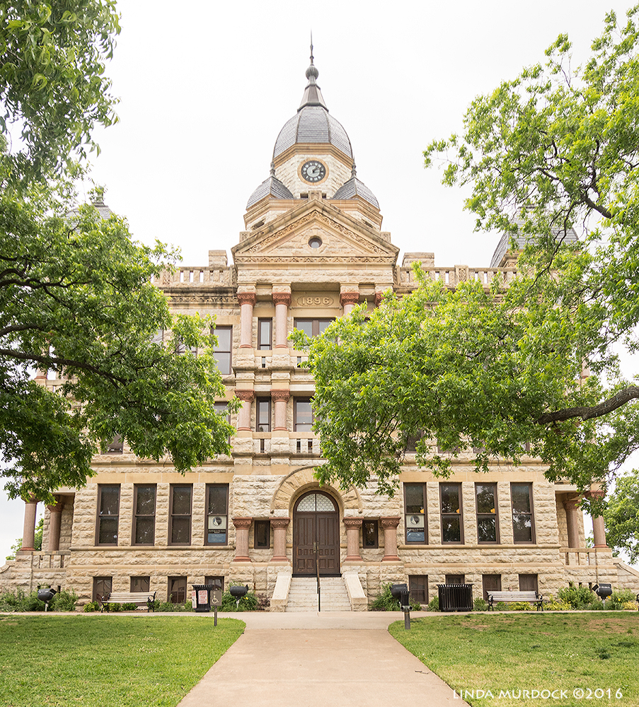 Courthouse Square in Denton, Texas Sony A77II with Sigma f/3.5 10-20 mm f/5.0 1/500 sec ISO 400