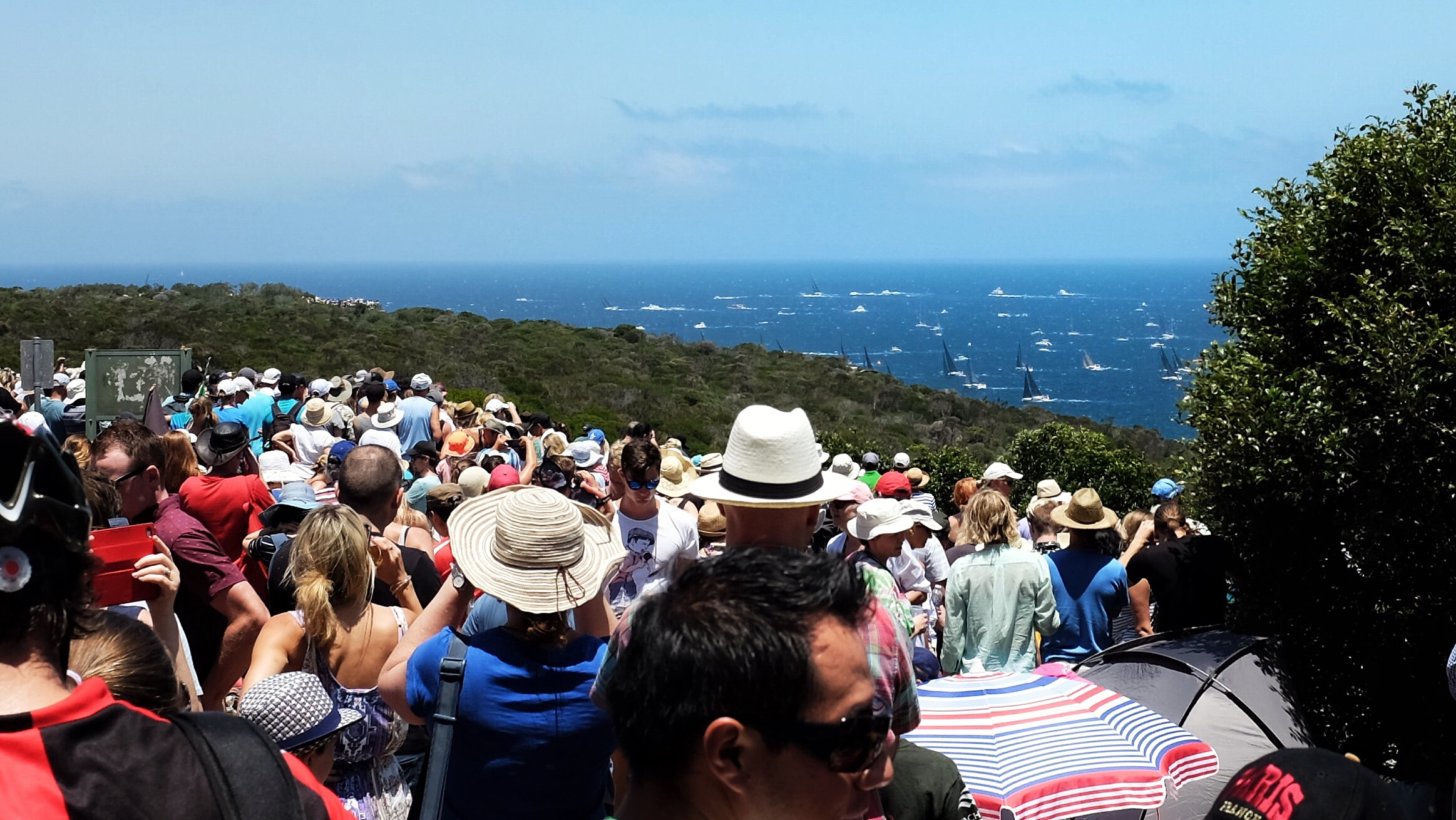 A huge crowd having the last glimpse of  the boats on their route to Hobart.