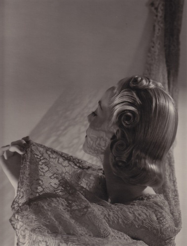 Helen Bennett by Horst 1935. Horst had a fascination of playing with light and this sort of experimentation in his early career was key to his later style.