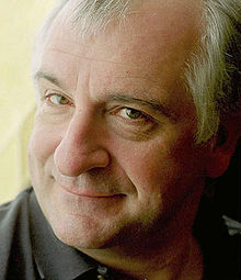 220px-Douglas_adams_portrait_cropped.jpg