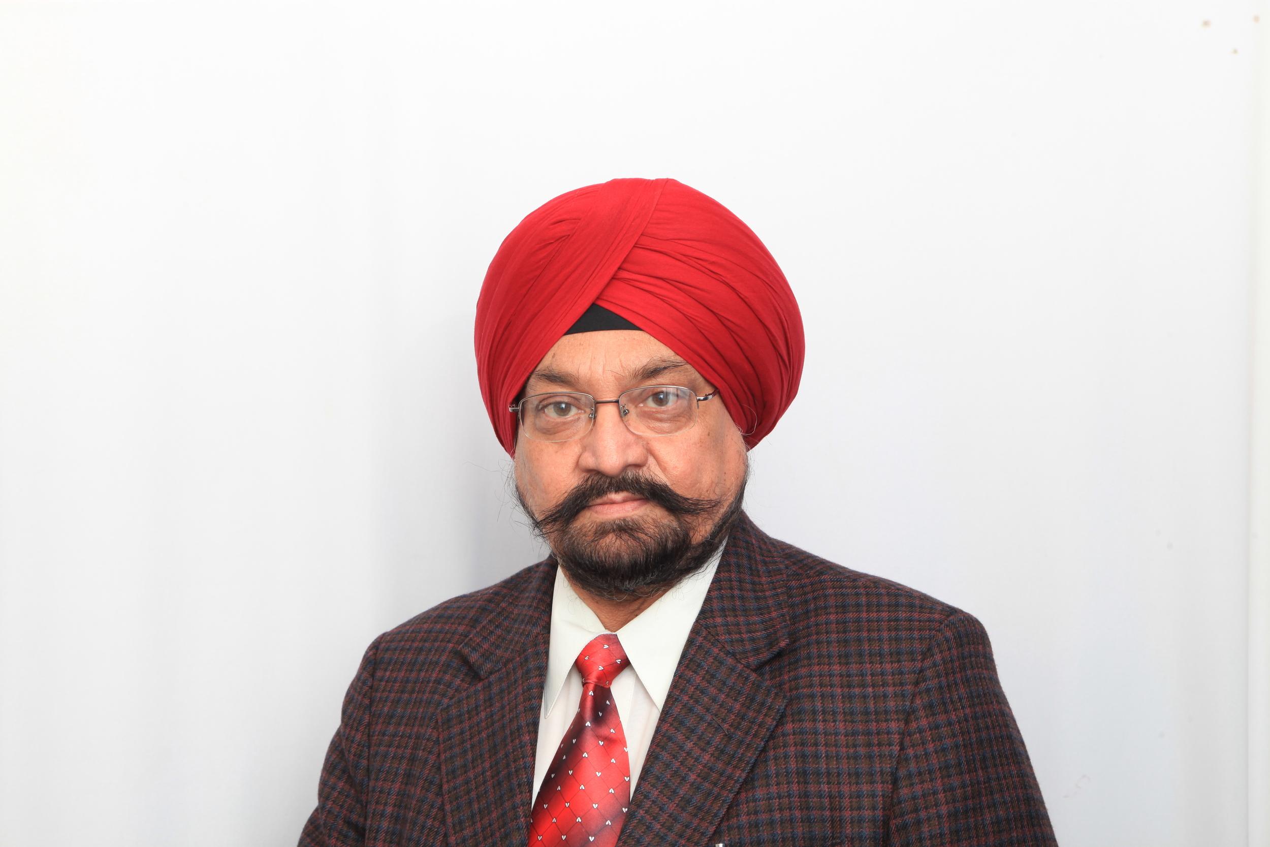 Prof. Saluja Indrajit.jpg