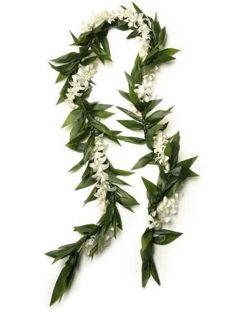 groommalieiwhtflower.jpg