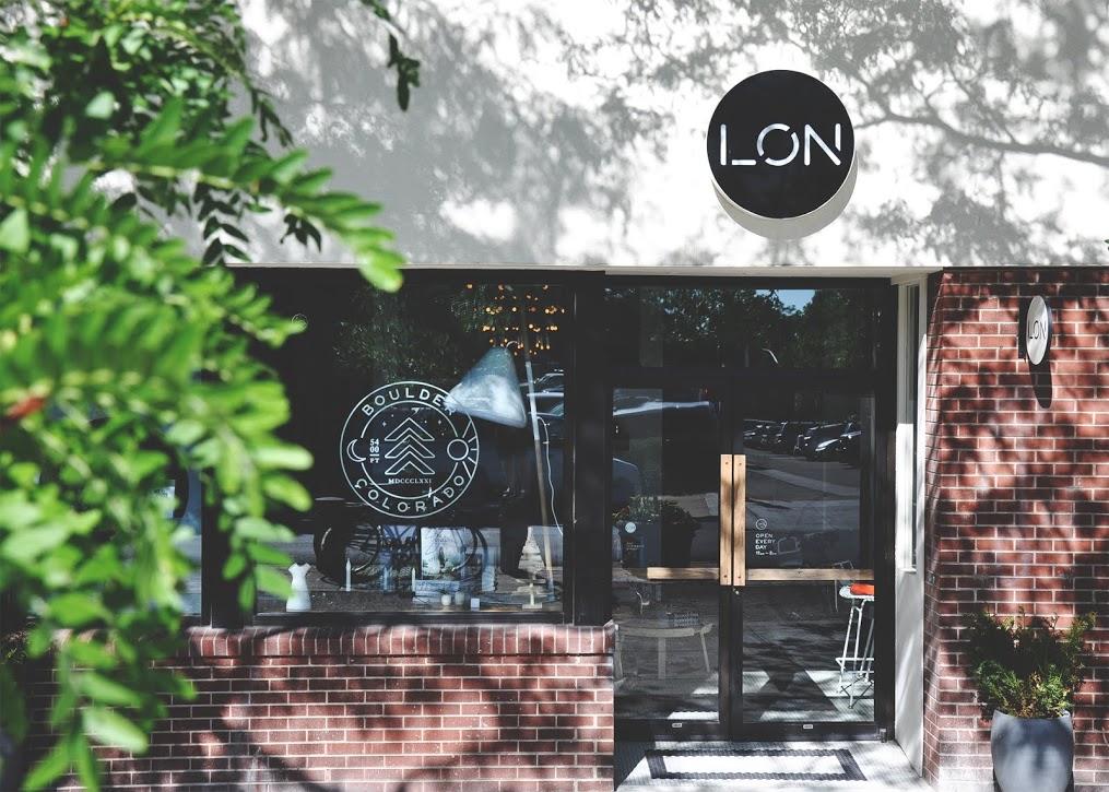 LON-little-shop-design-retail-exterior-design