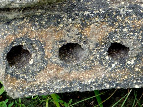 brickholes.jpg