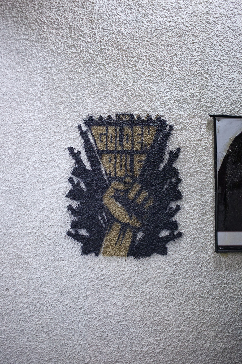 """Griffith Observatory - Los Angeles - """"Golden Rule"""" street art on wall"""