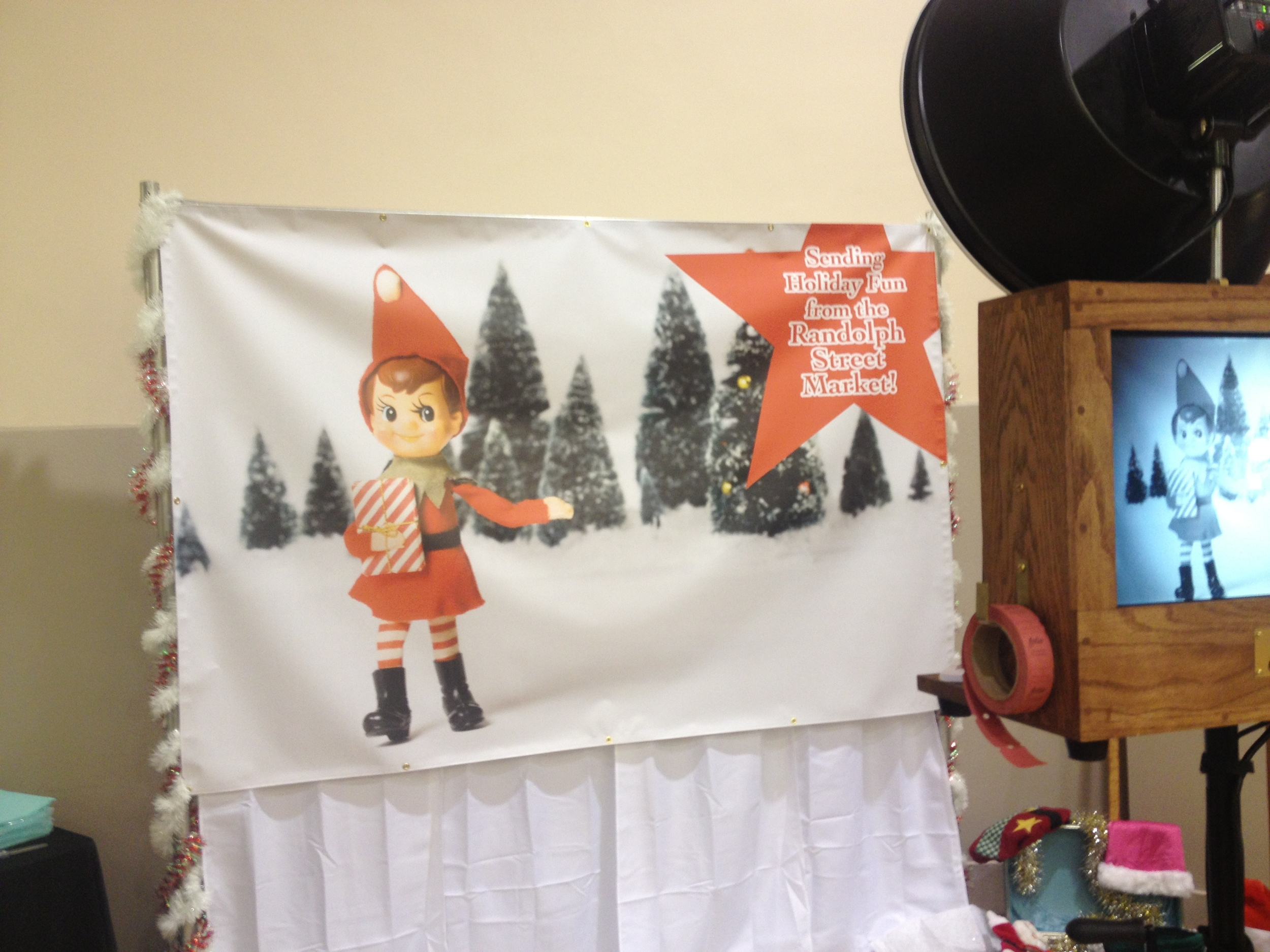 Holiday Market photo booth Elf background.