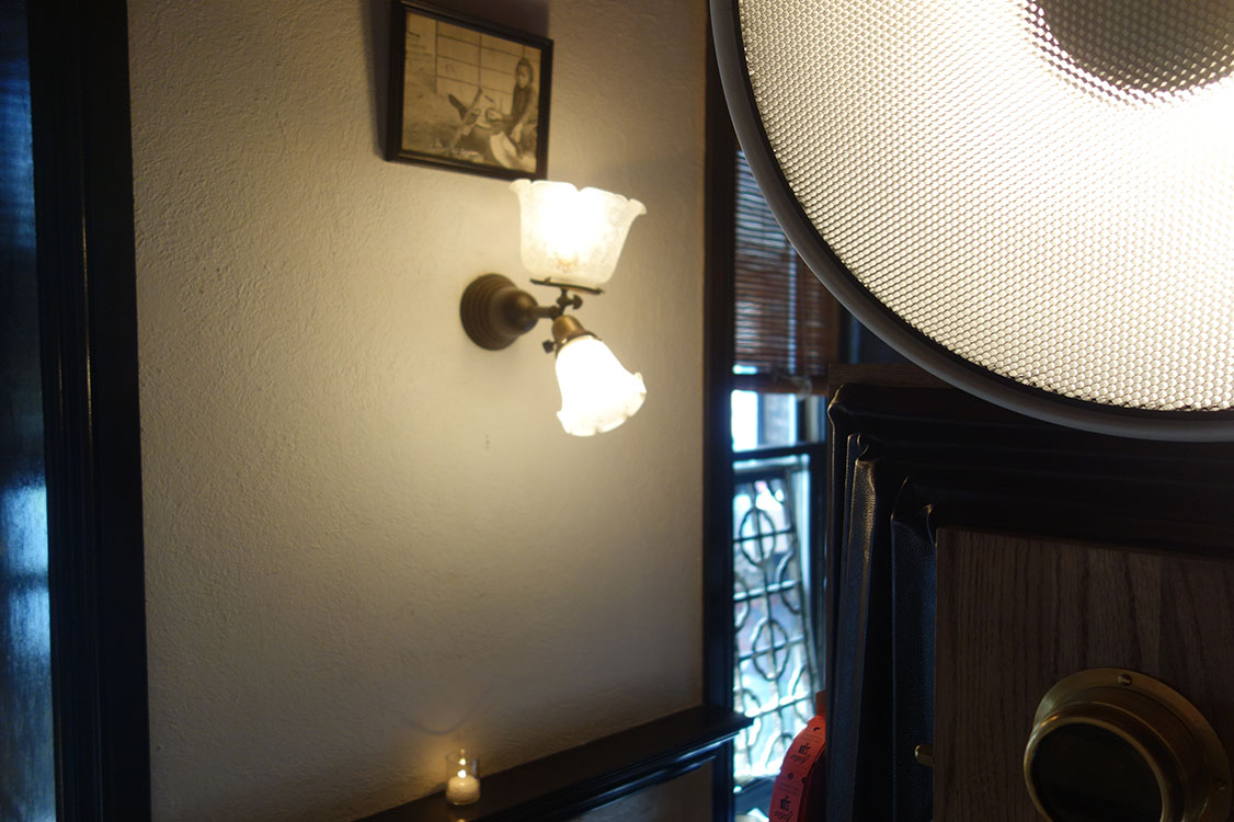 We love all the intricate details and lighting at Le Colonial!