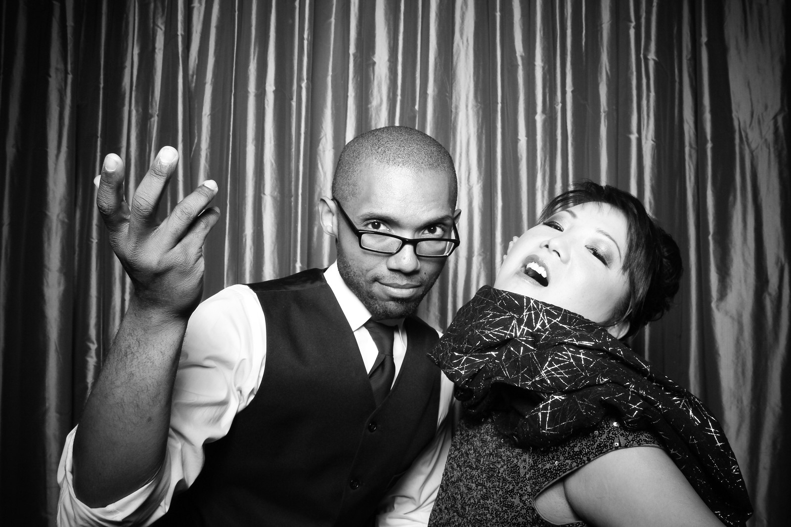 Sepia_Chicago_Wedding_Photo_Booth