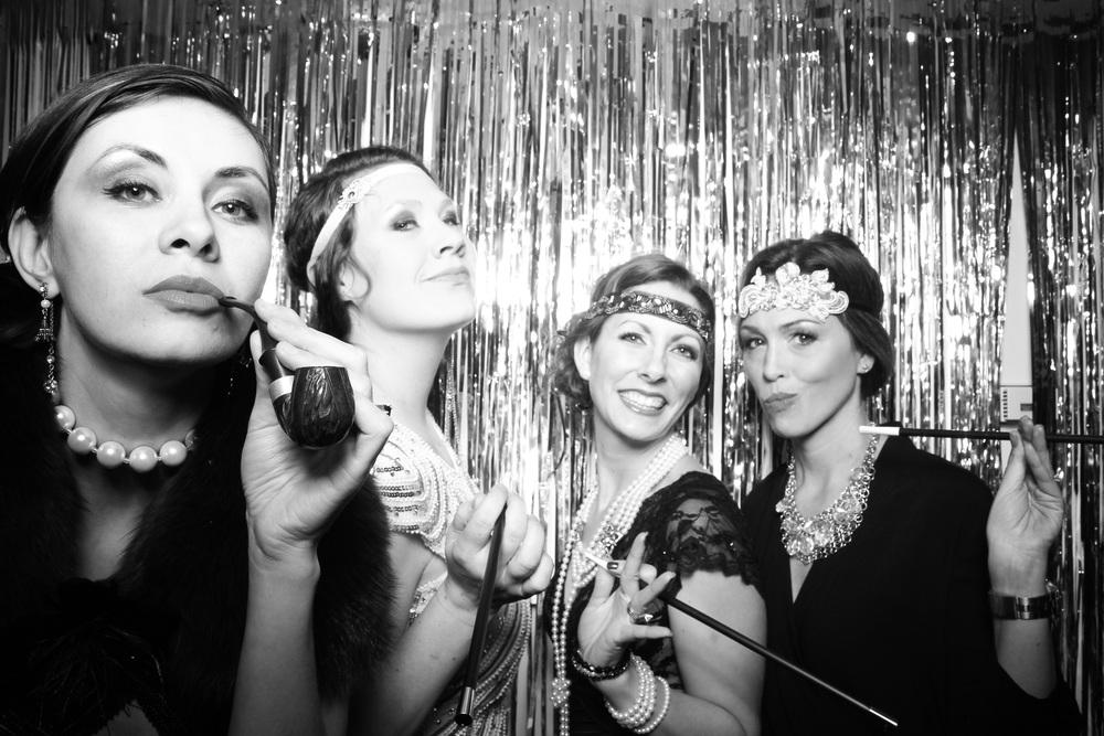 We love roaring 20s company holiday parties!