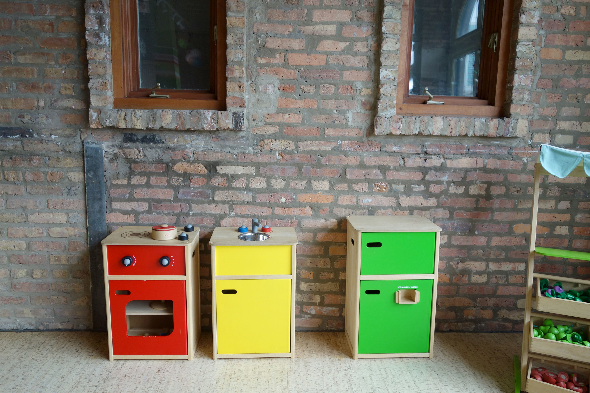 Mini kitchen set for the kids to play with!