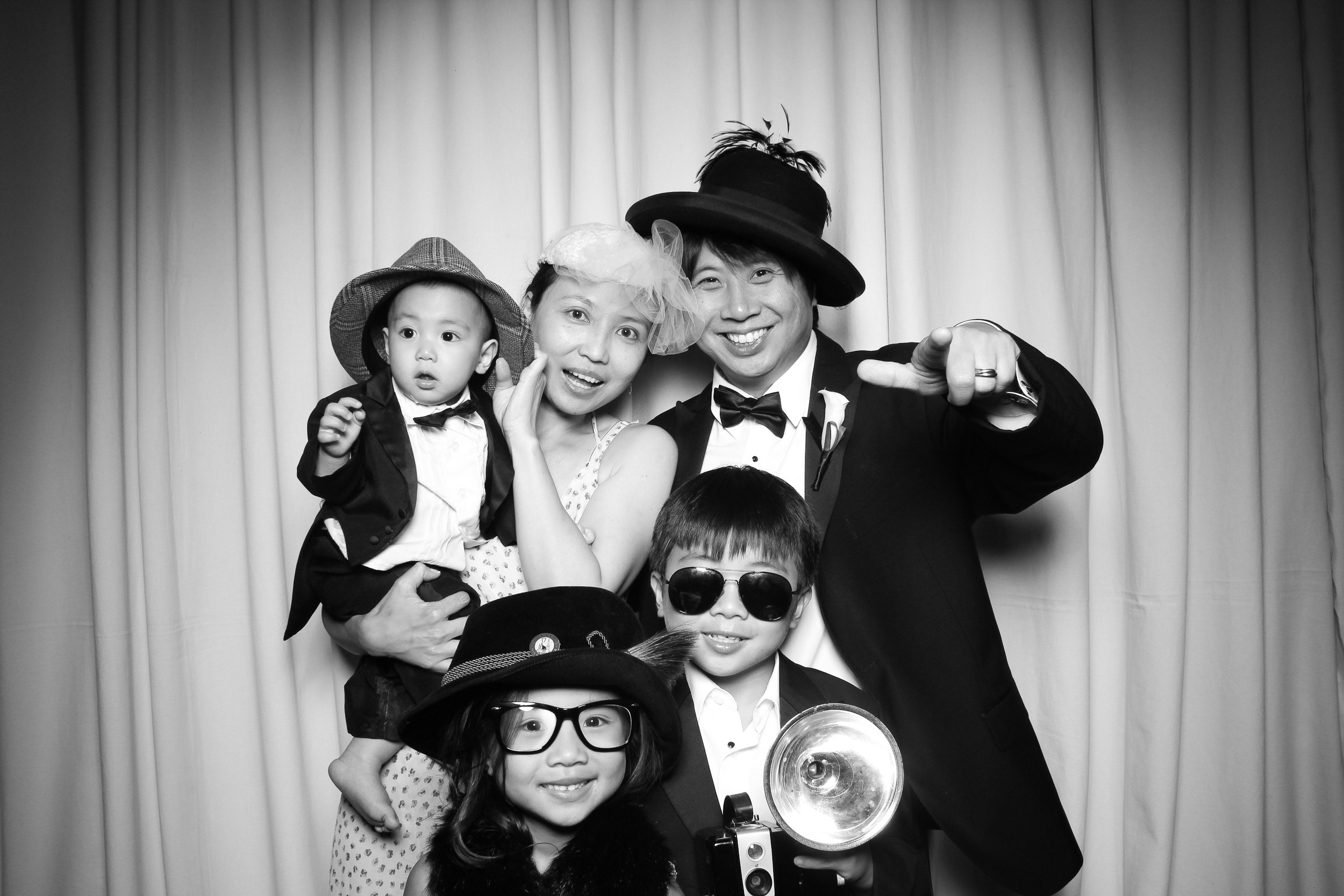 Fun family portrait with vintage style props at the Rookery Building!