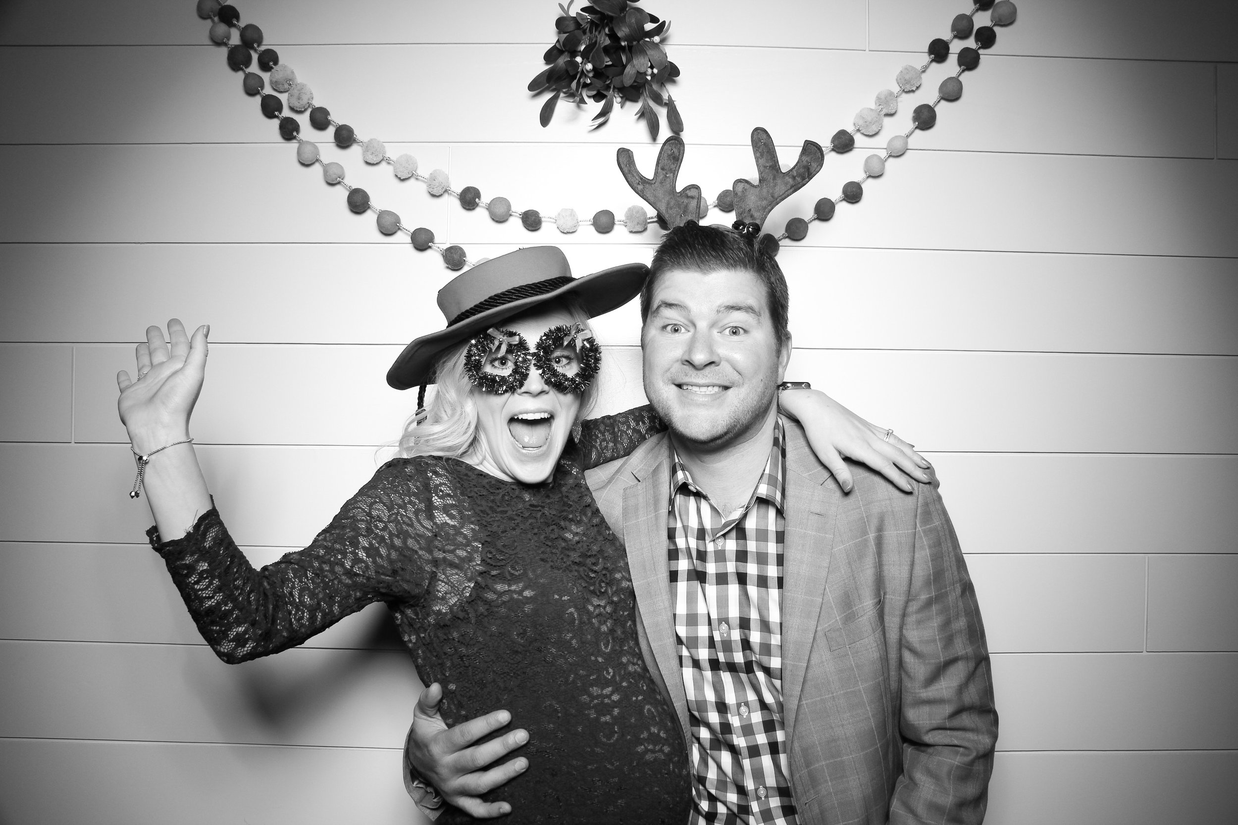 Chicago_Vintage_Photobooth_Christmas_Holiday_Party_09.jpg