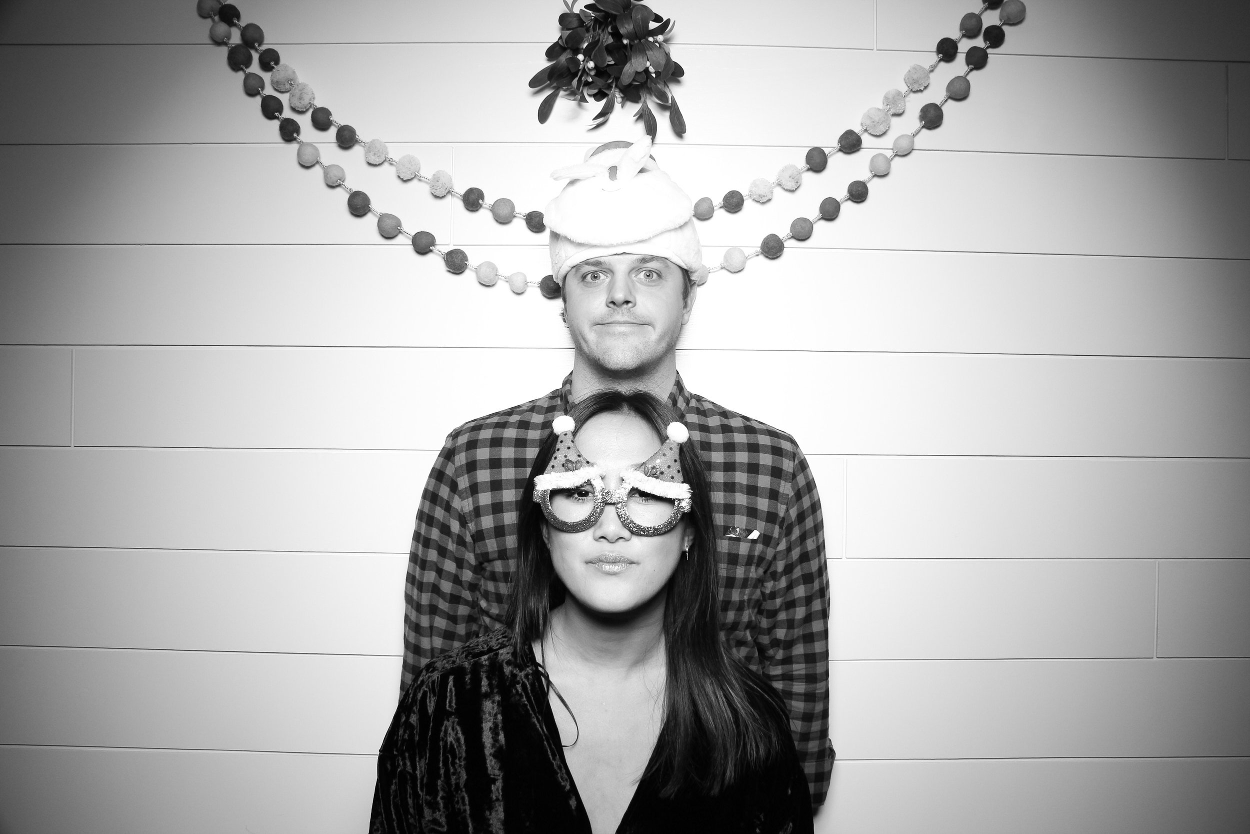Chicago_Vintage_Photobooth_Christmas_Holiday_Party_12.jpg