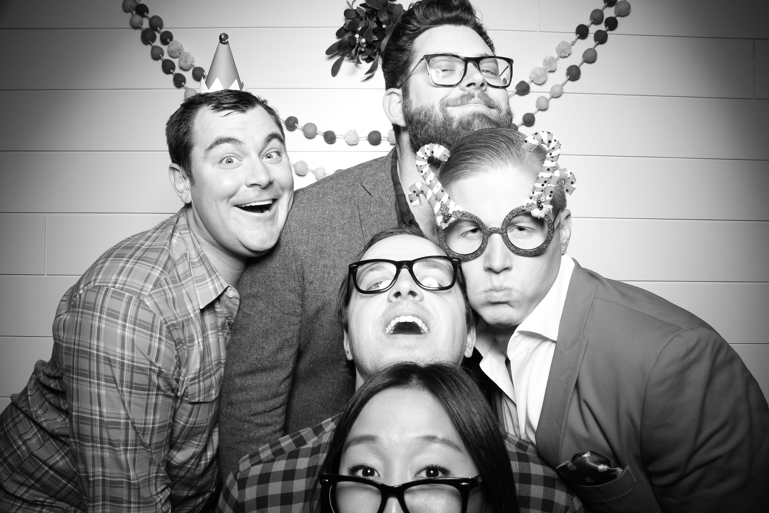 Chicago_Vintage_Photobooth_Christmas_Holiday_Party_16.jpg