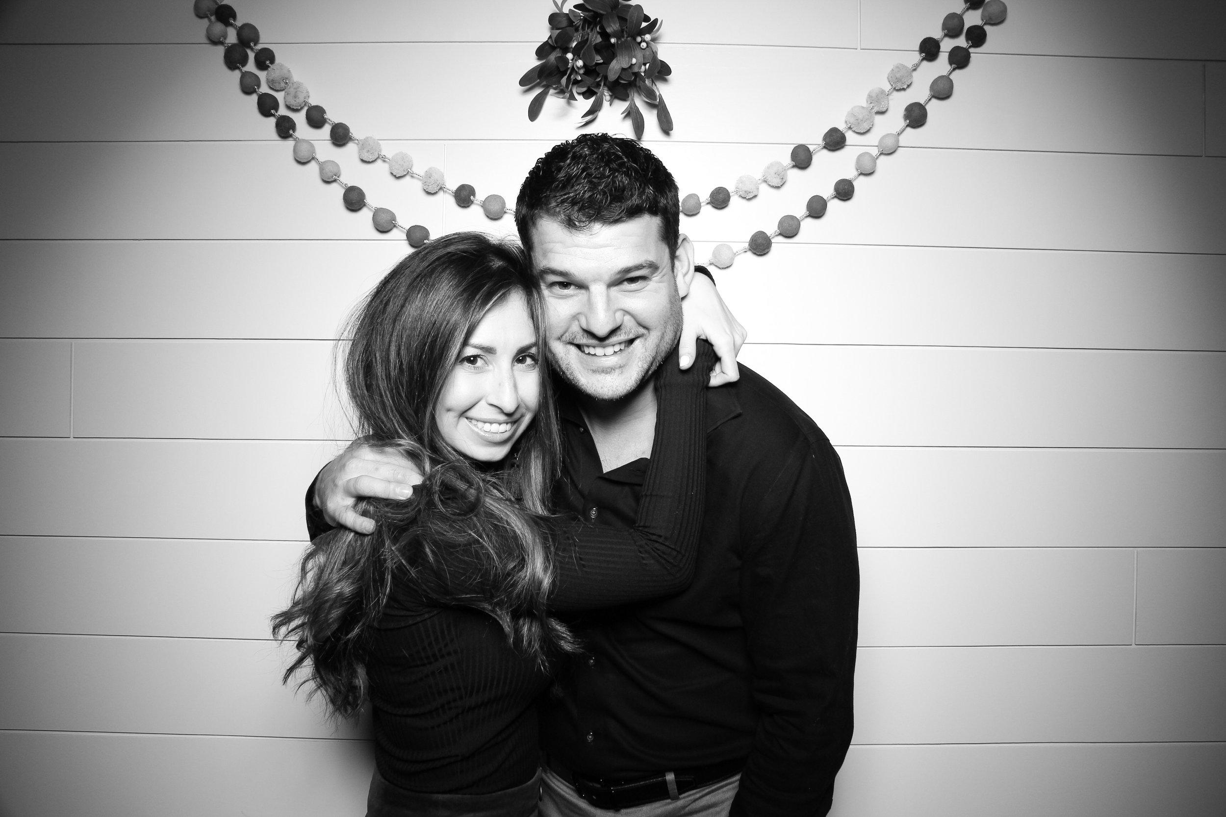 Chicago_Vintage_Photobooth_Christmas_Holiday_Party_17.jpg