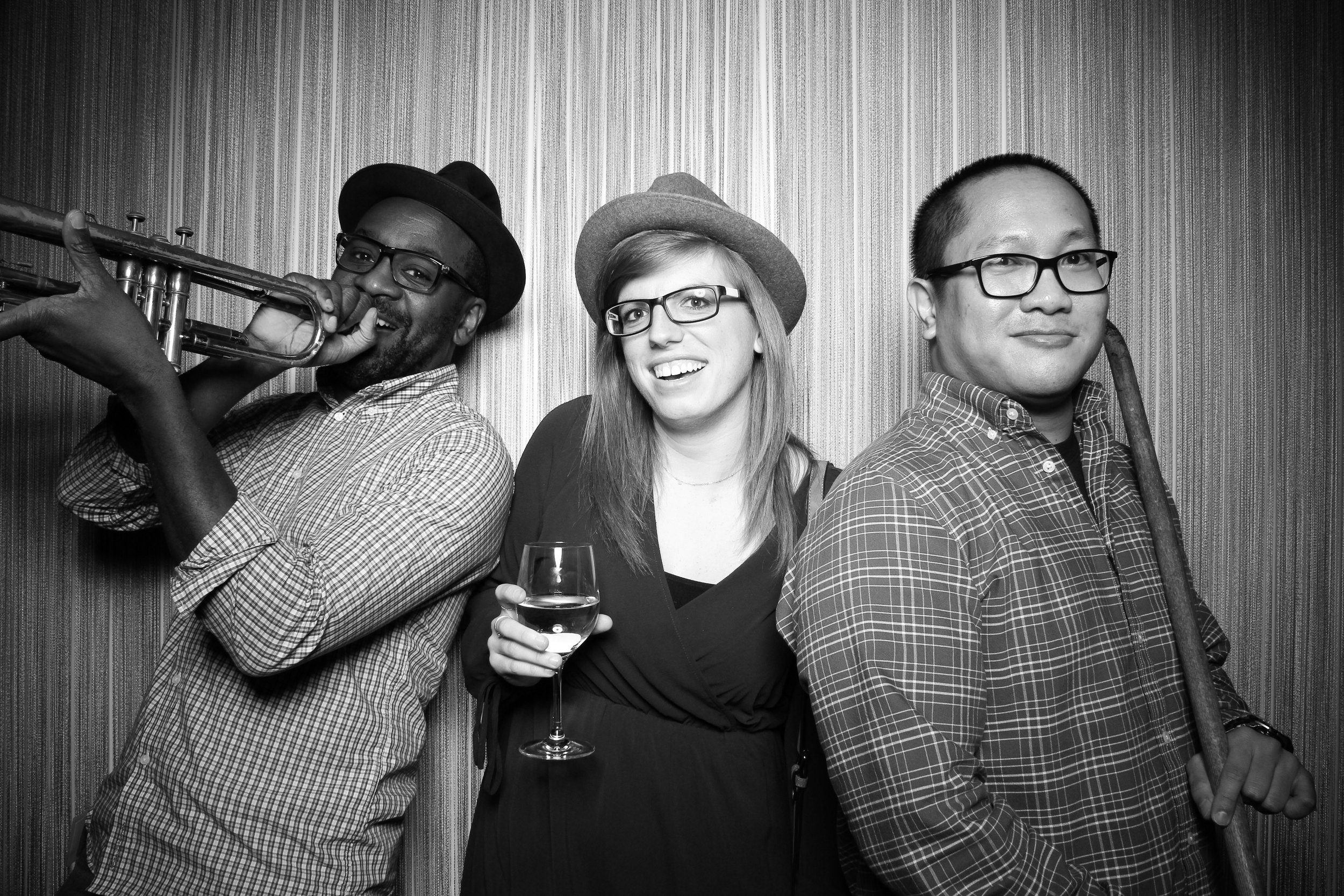 Chicago_Vintage_Photobooth_Holiday_Party_Wit_Hotel_03.jpg