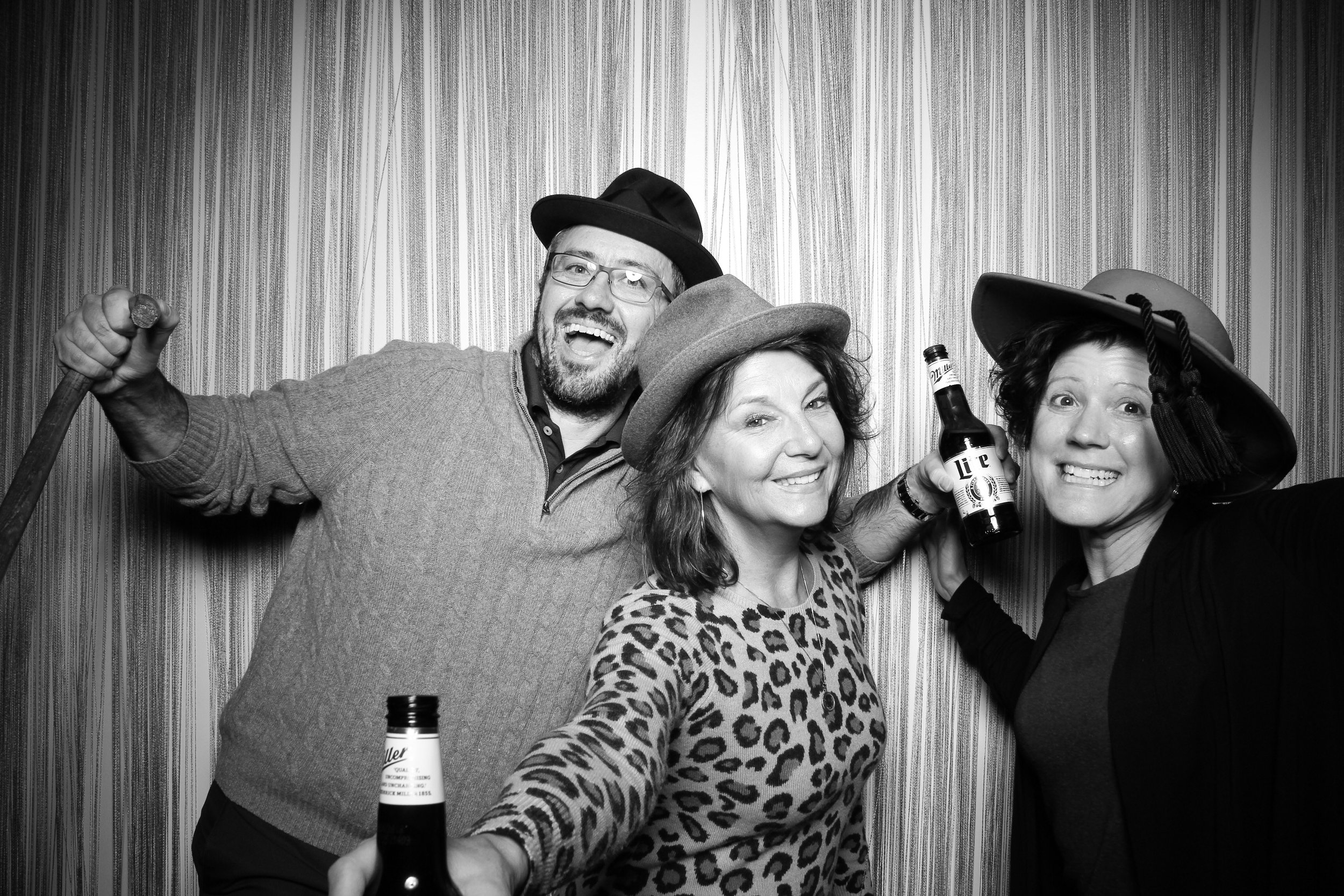 Chicago_Vintage_Photobooth_Holiday_Party_Wit_Hotel_17.jpg