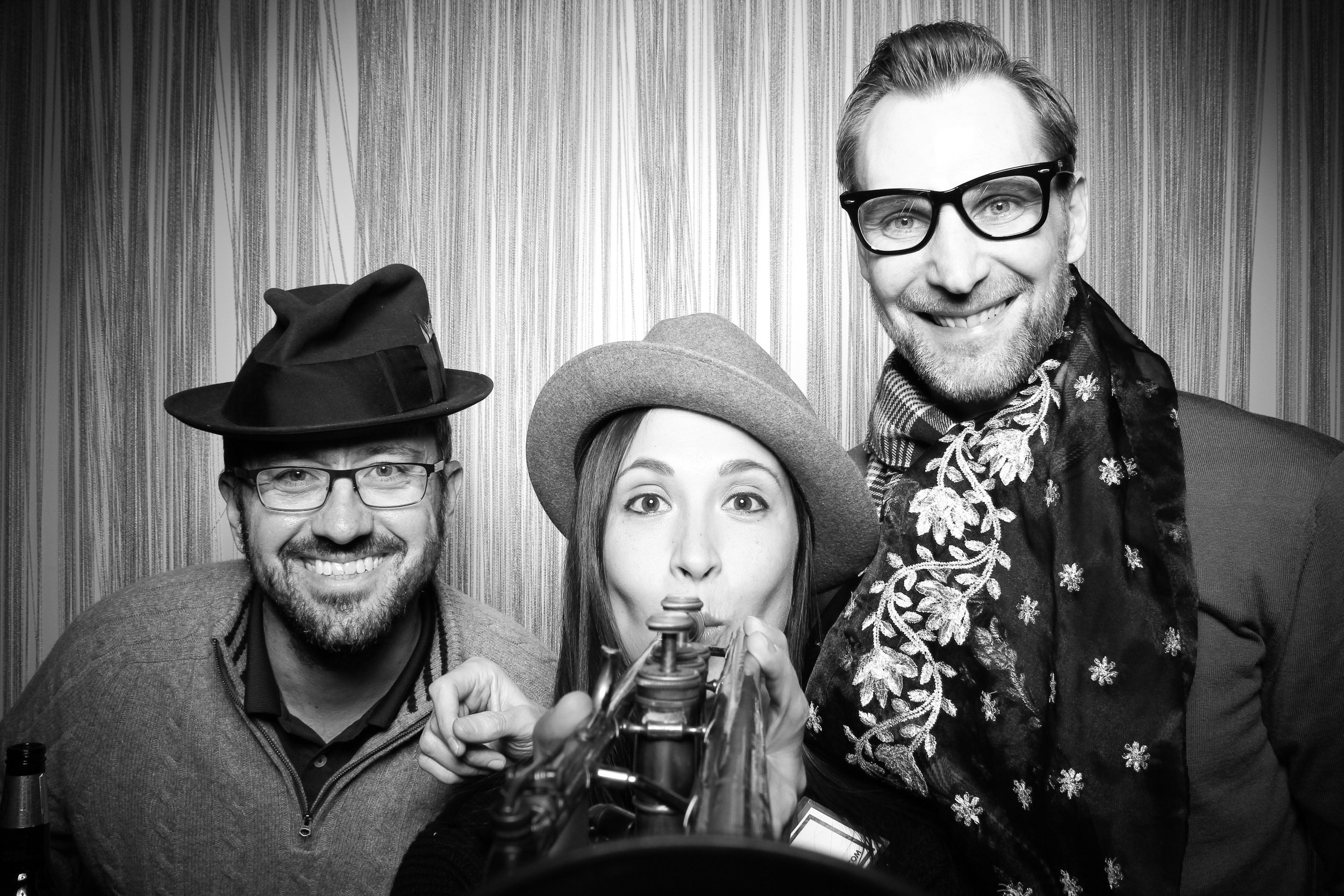 Chicago_Vintage_Photobooth_Holiday_Party_Wit_Hotel_21.jpg