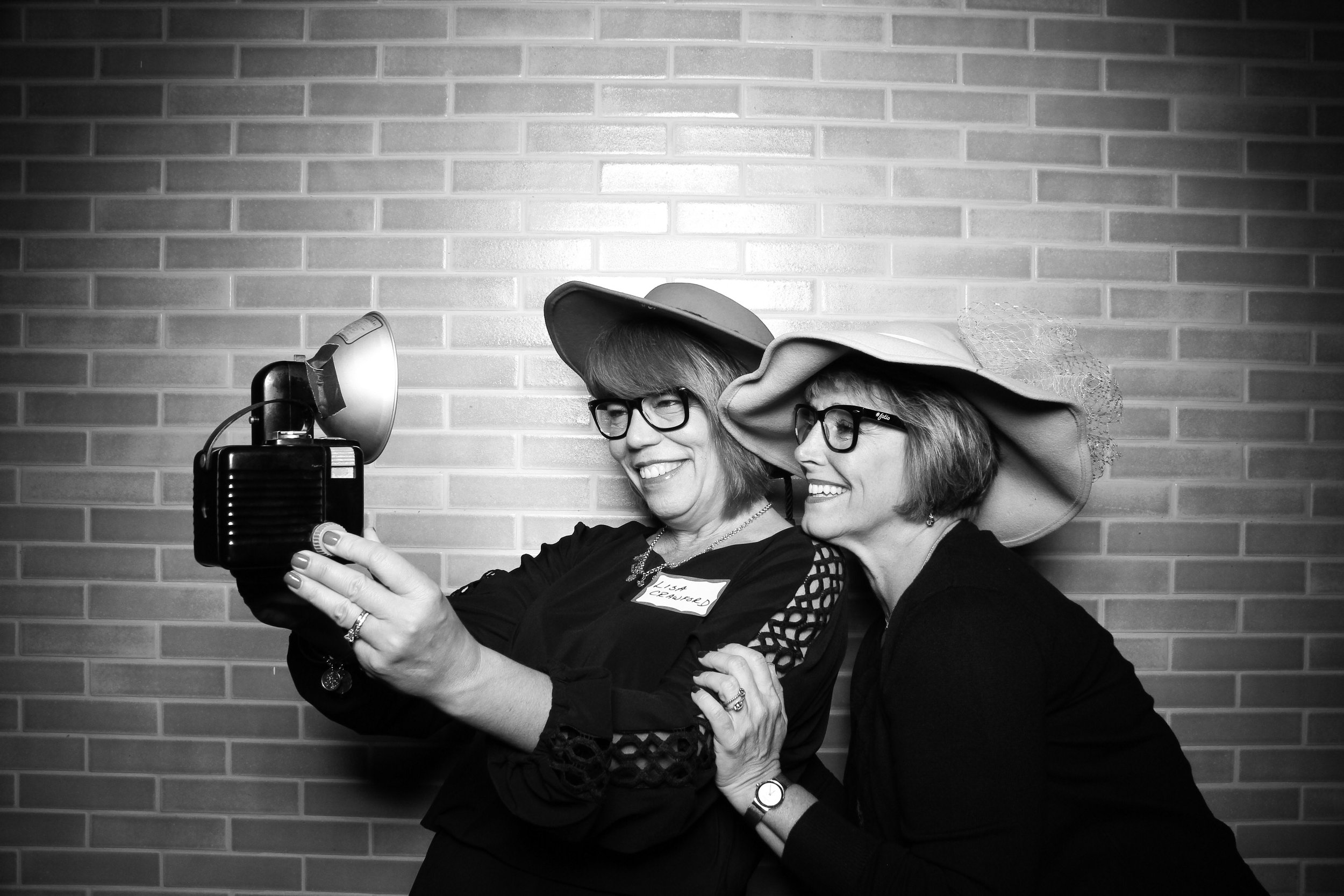 Chicago_Vintage_Photobooth_Holiday_Party_Boleo_04.jpg