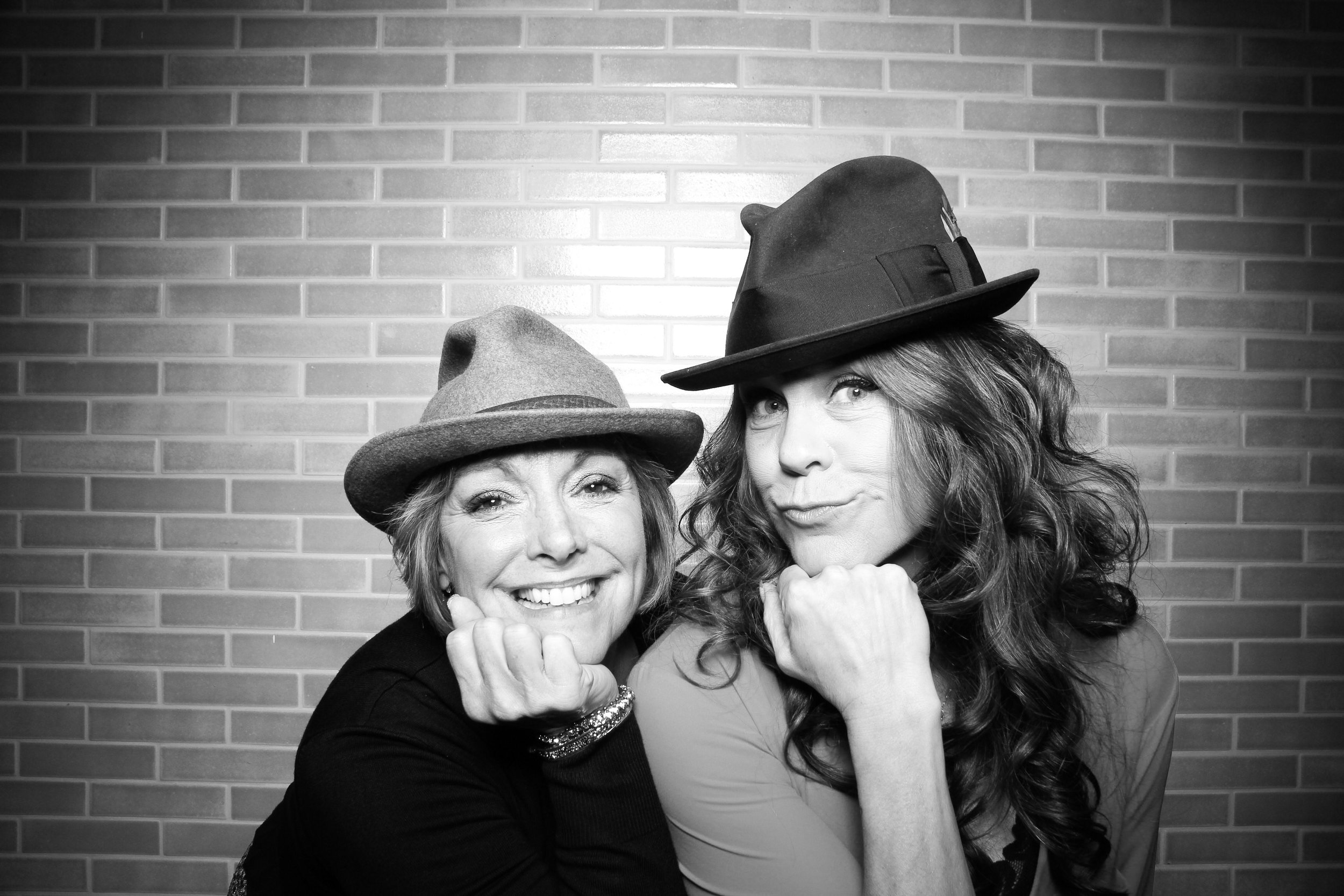 Chicago_Vintage_Photobooth_Holiday_Party_Boleo_15.jpg