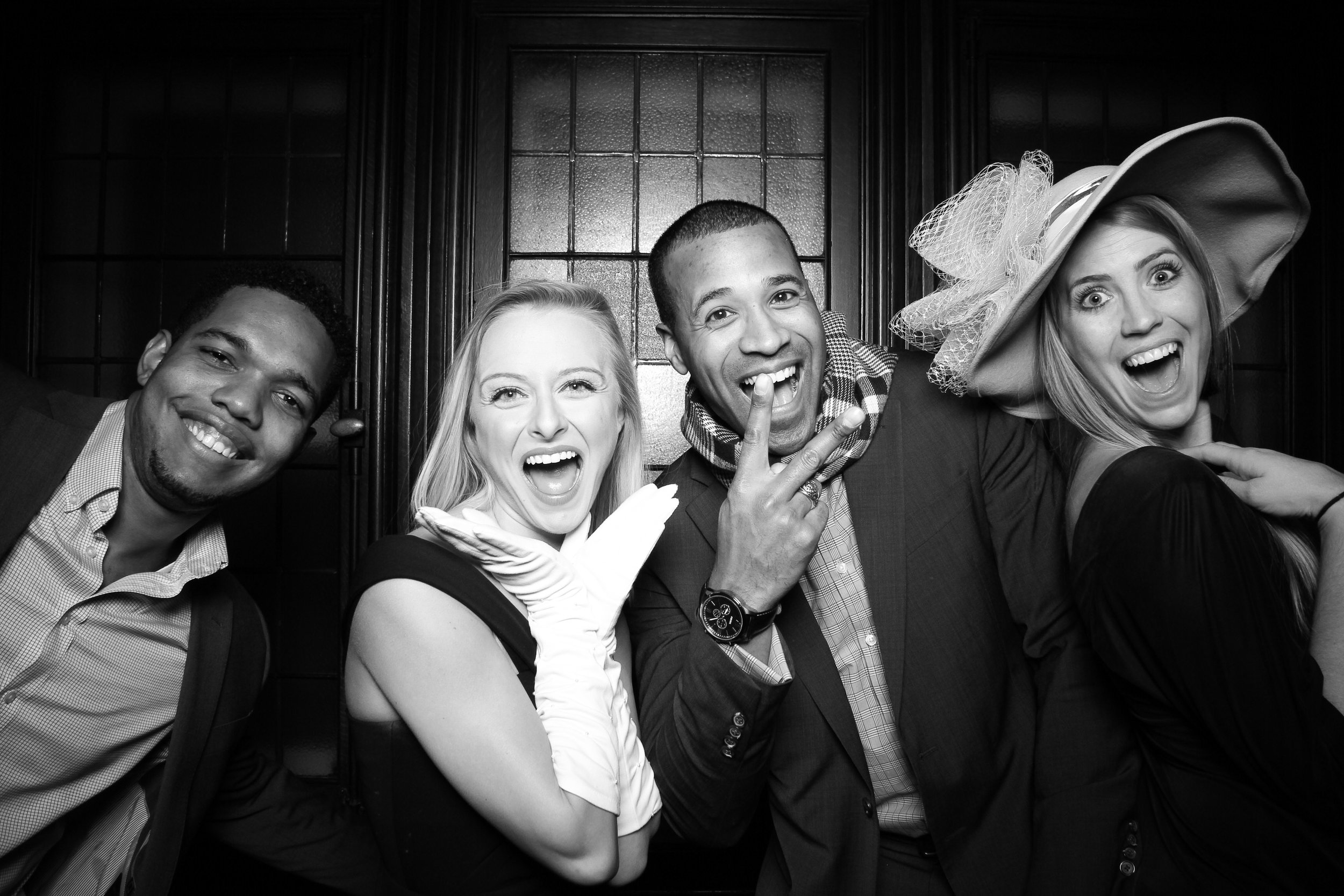 Chicago_Vintage_Photobooth_Holiday_Party_University_Club_09.jpg