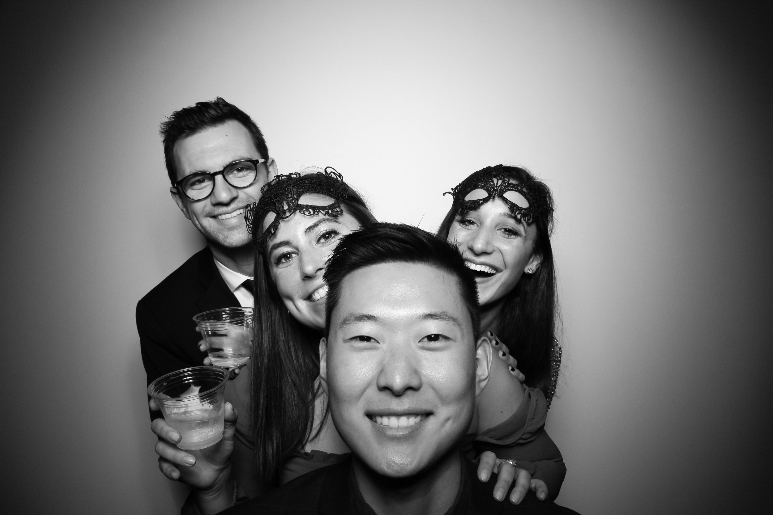 Chicago_Vintage_Photobooth_Solstice_Company_Holiday_Party_03.jpg