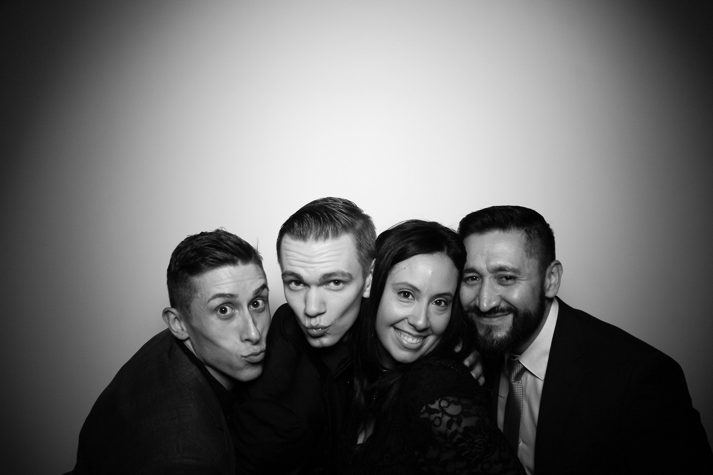 Chicago_Vintage_Photobooth_Solstice_Company_Holiday_Party_19.jpg