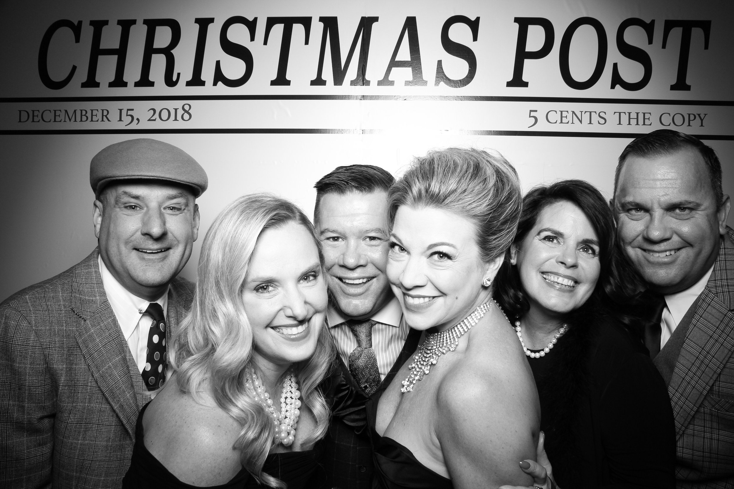 Chicago_Vintage_Photobooth_Rockwell_Holiday_Party_01.jpg