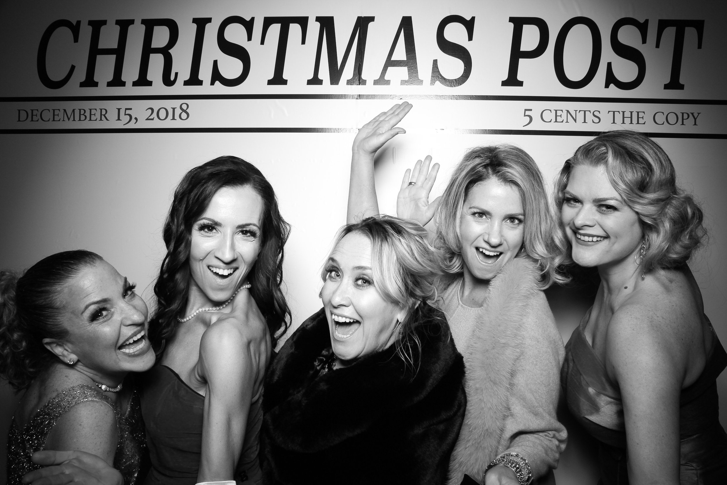 Chicago_Vintage_Photobooth_Rockwell_Holiday_Party_07.jpg