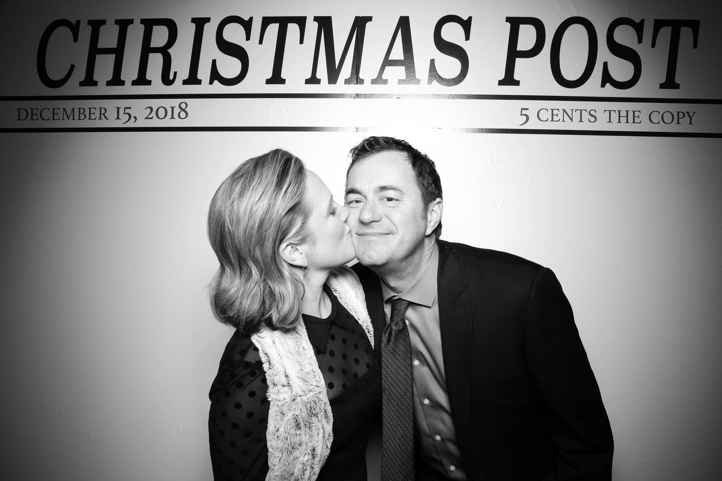 Chicago_Vintage_Photobooth_Rockwell_Holiday_Party_06.jpg