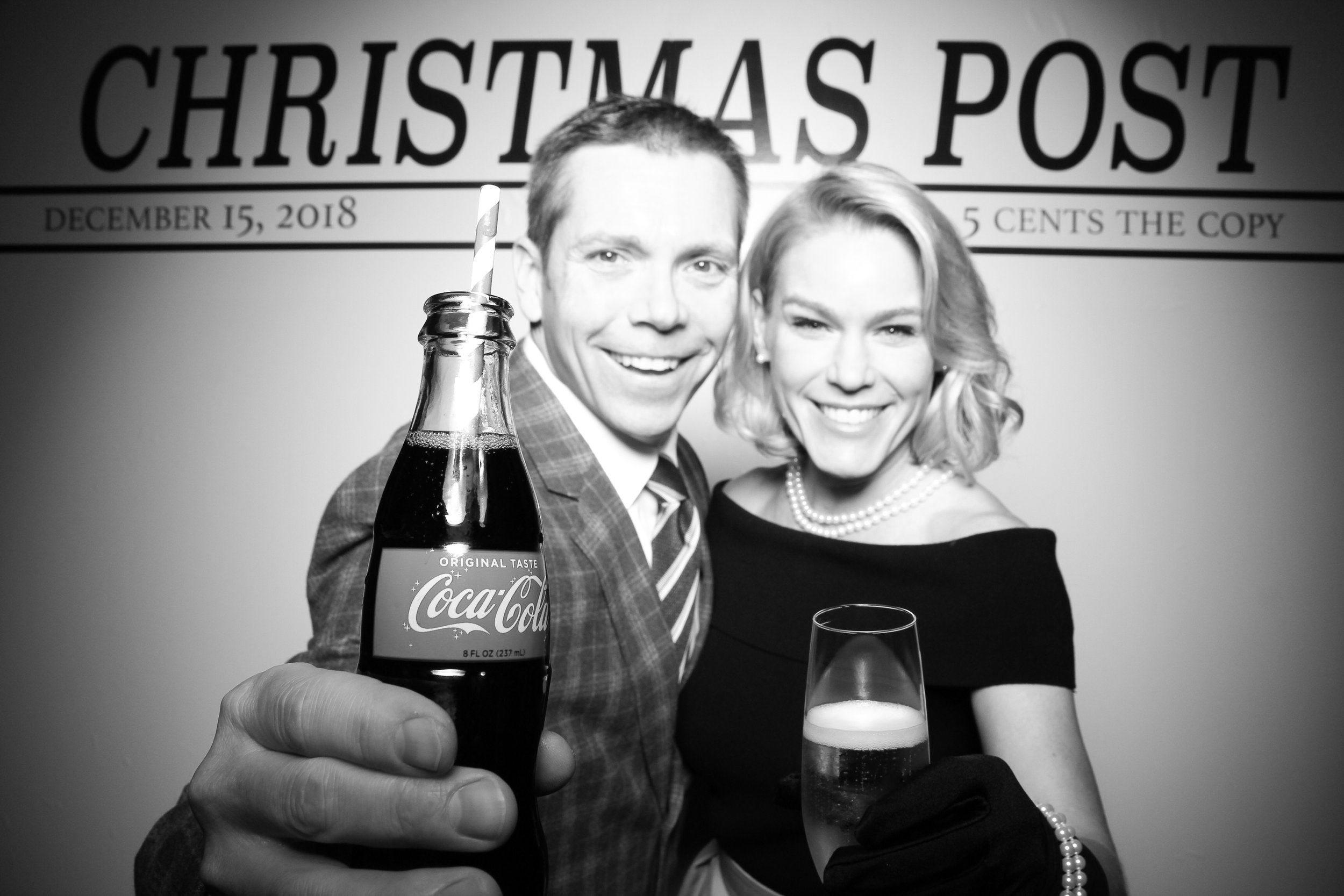 Chicago_Vintage_Photobooth_Rockwell_Holiday_Party_17.jpg