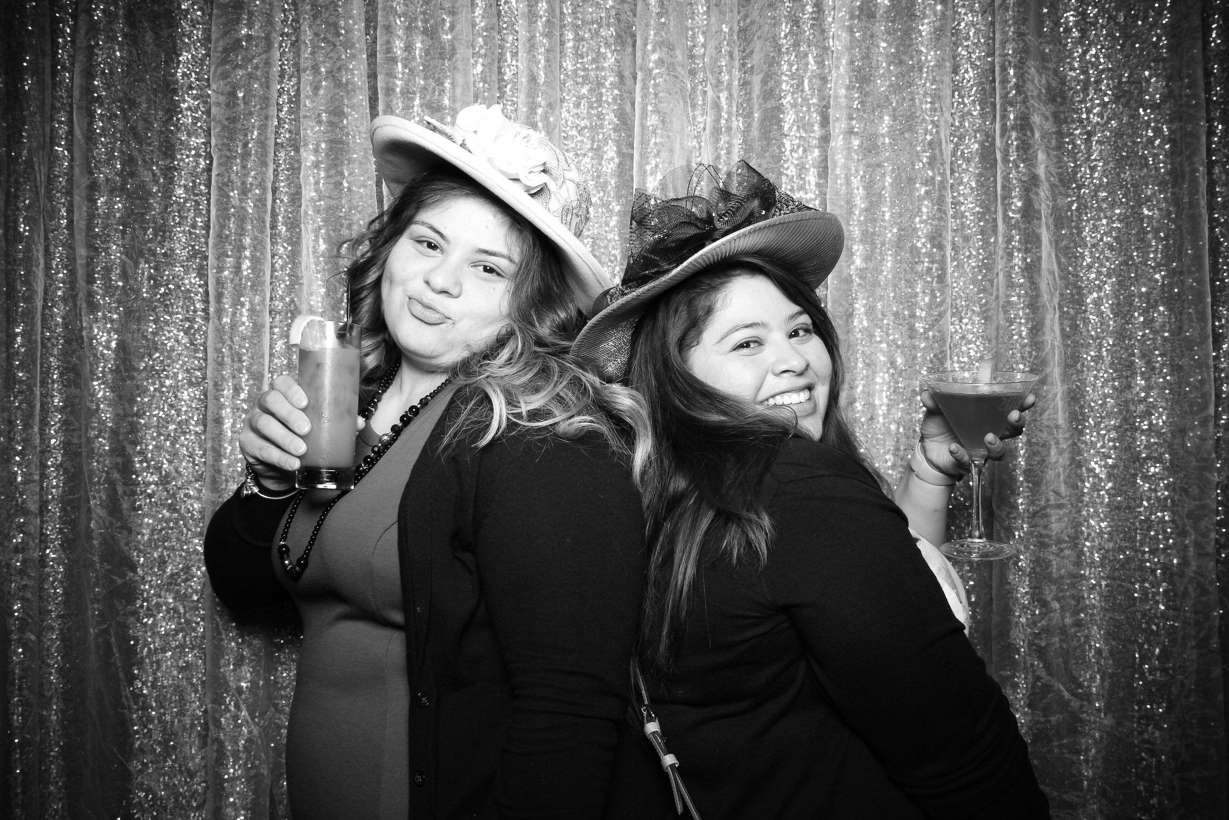 Chicago_Vintage_Photobooth_Montgomery_Club_Holiday_Party_02.jpg