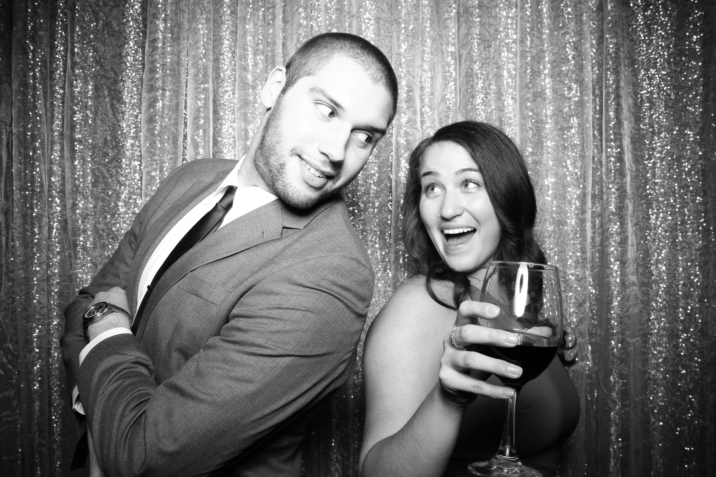 Chicago_Vintage_Photobooth_Montgomery_Club_Holiday_Party_01.jpg