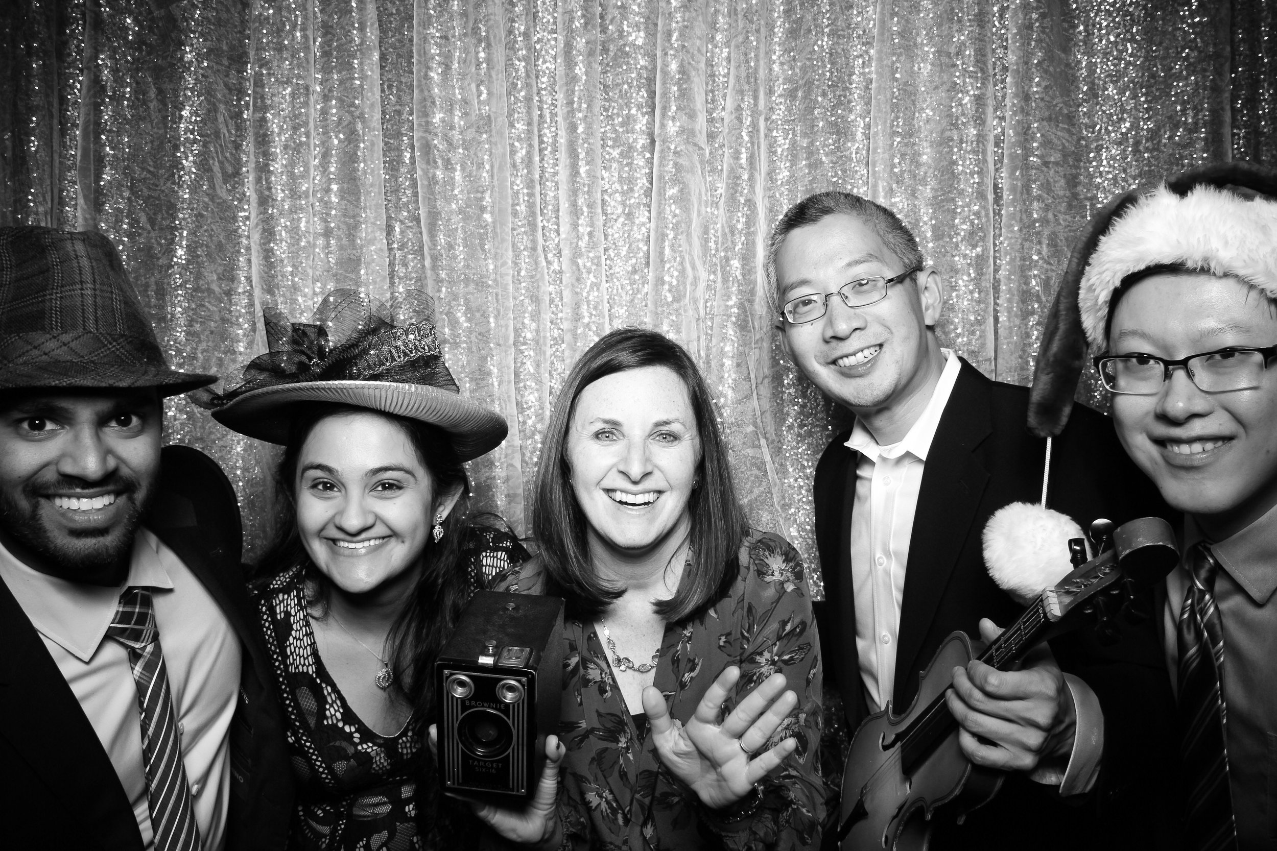 Chicago_Vintage_Photobooth_Montgomery_Club_Holiday_Party_04.jpg