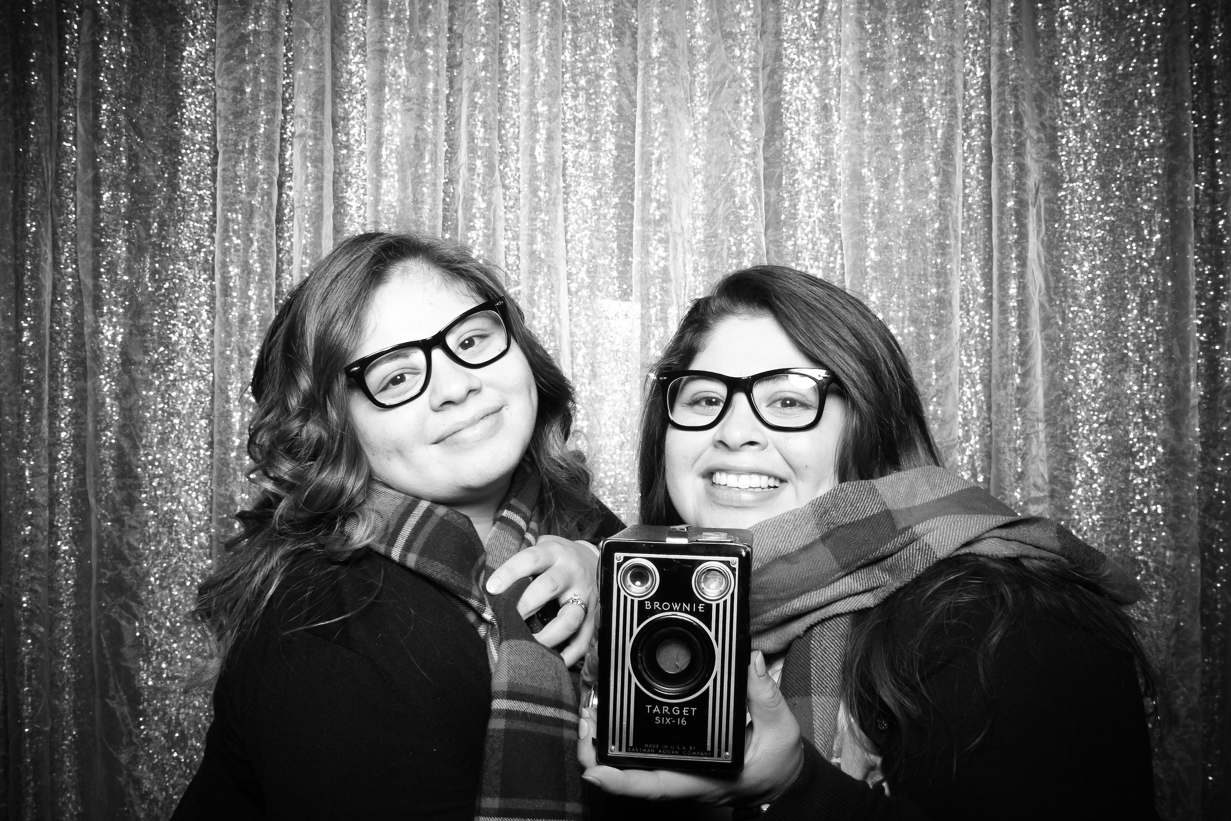 Chicago_Vintage_Photobooth_Montgomery_Club_Holiday_Party_08.jpg