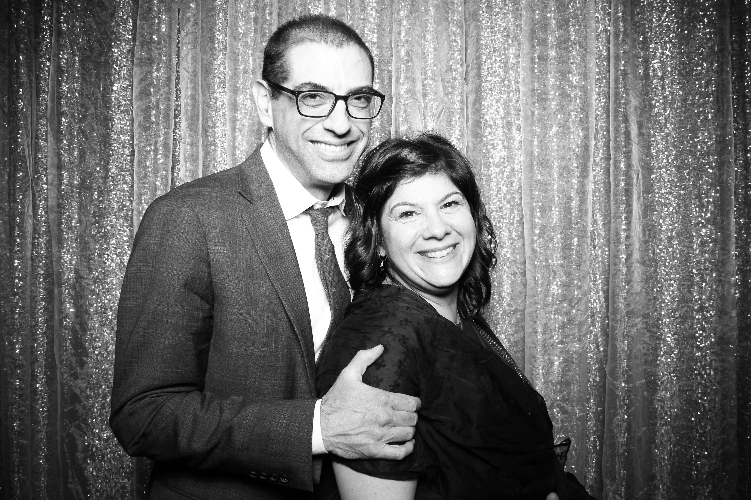 Chicago_Vintage_Photobooth_Montgomery_Club_Holiday_Party_09.jpg