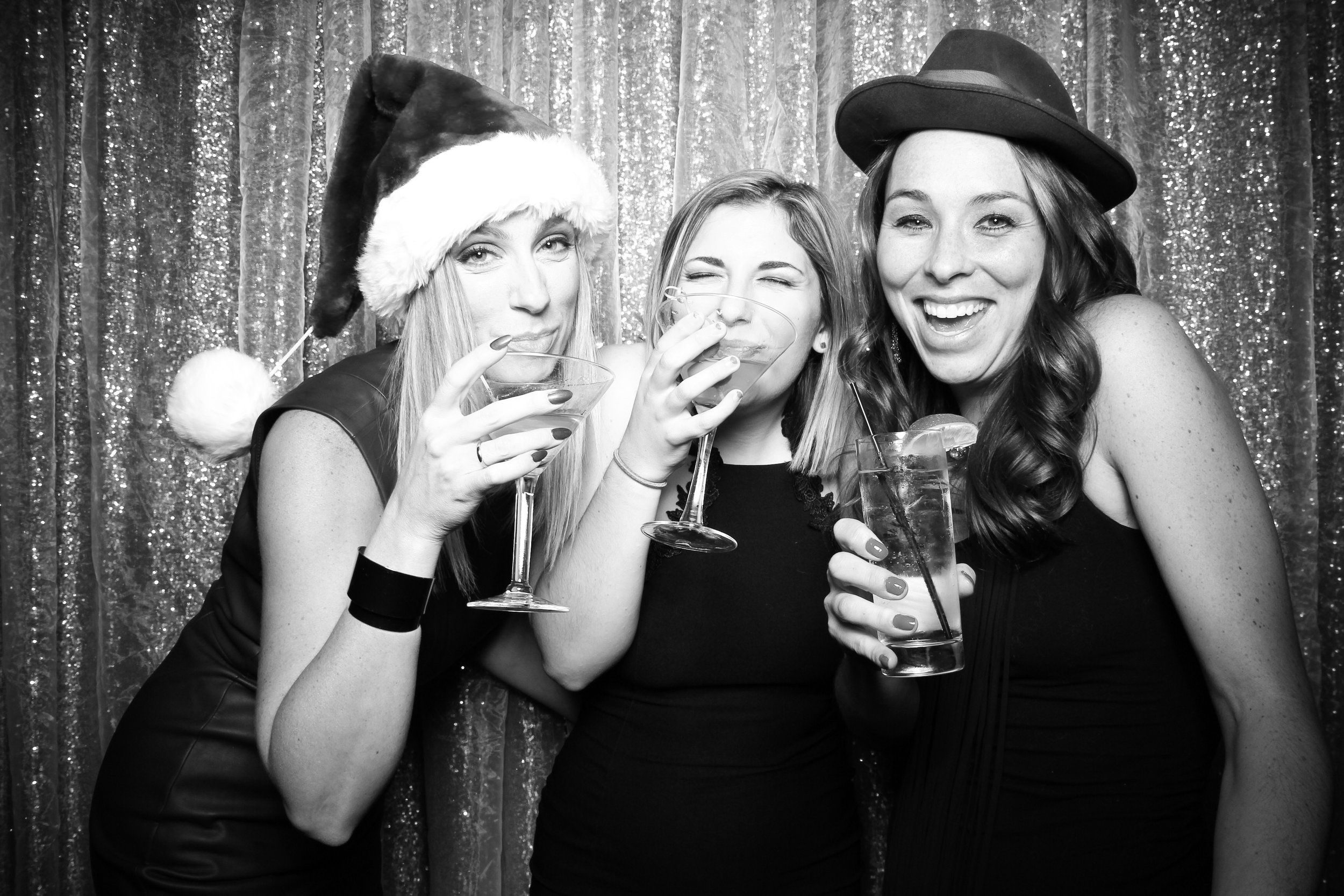 Chicago_Vintage_Photobooth_Montgomery_Club_Holiday_Party_13.jpg