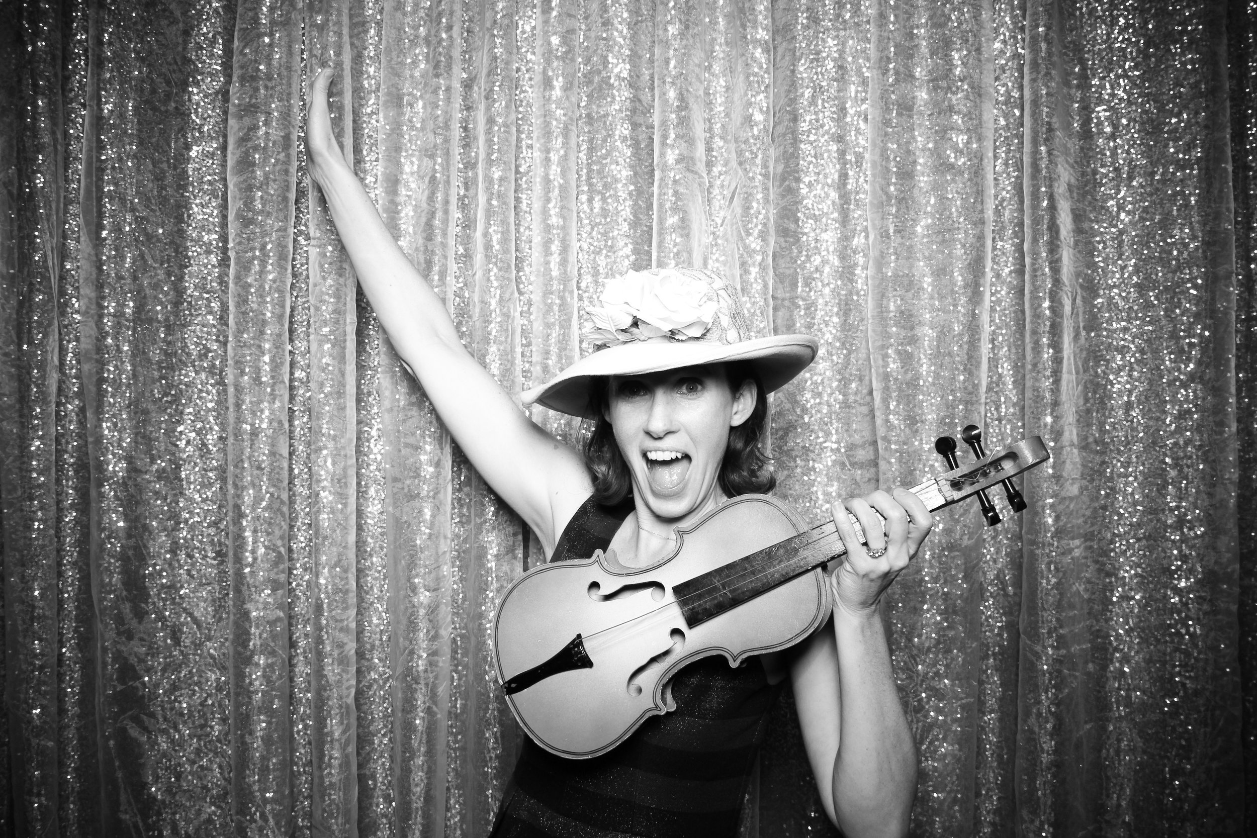 Chicago_Vintage_Photobooth_Montgomery_Club_Holiday_Party_12.jpg