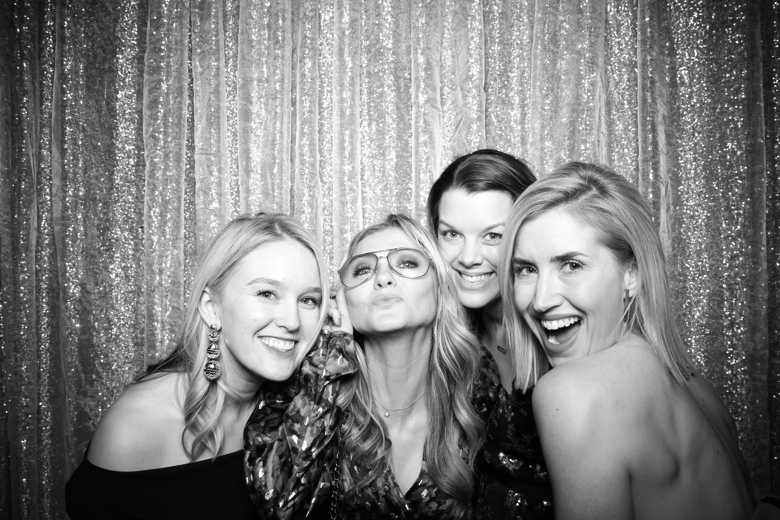 Chicago_Vintage_Photobooth_Montgomery_Club_Holiday_Party_18.jpg