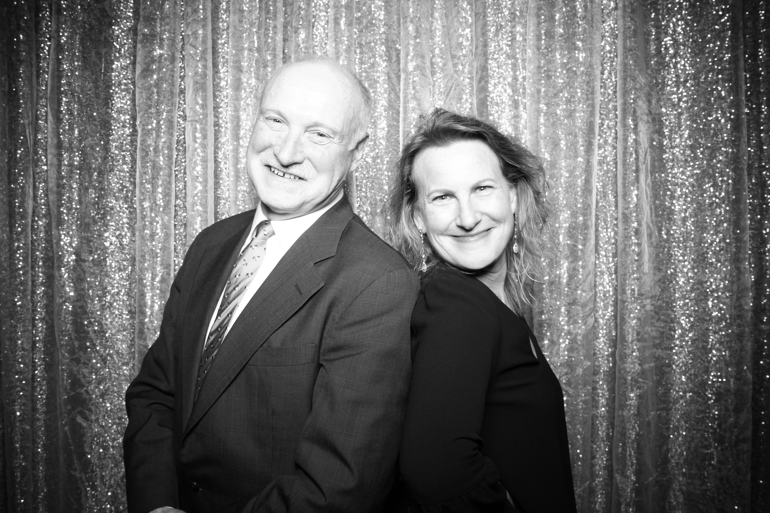 Chicago_Vintage_Photobooth_Montgomery_Club_Holiday_Party_20.jpg