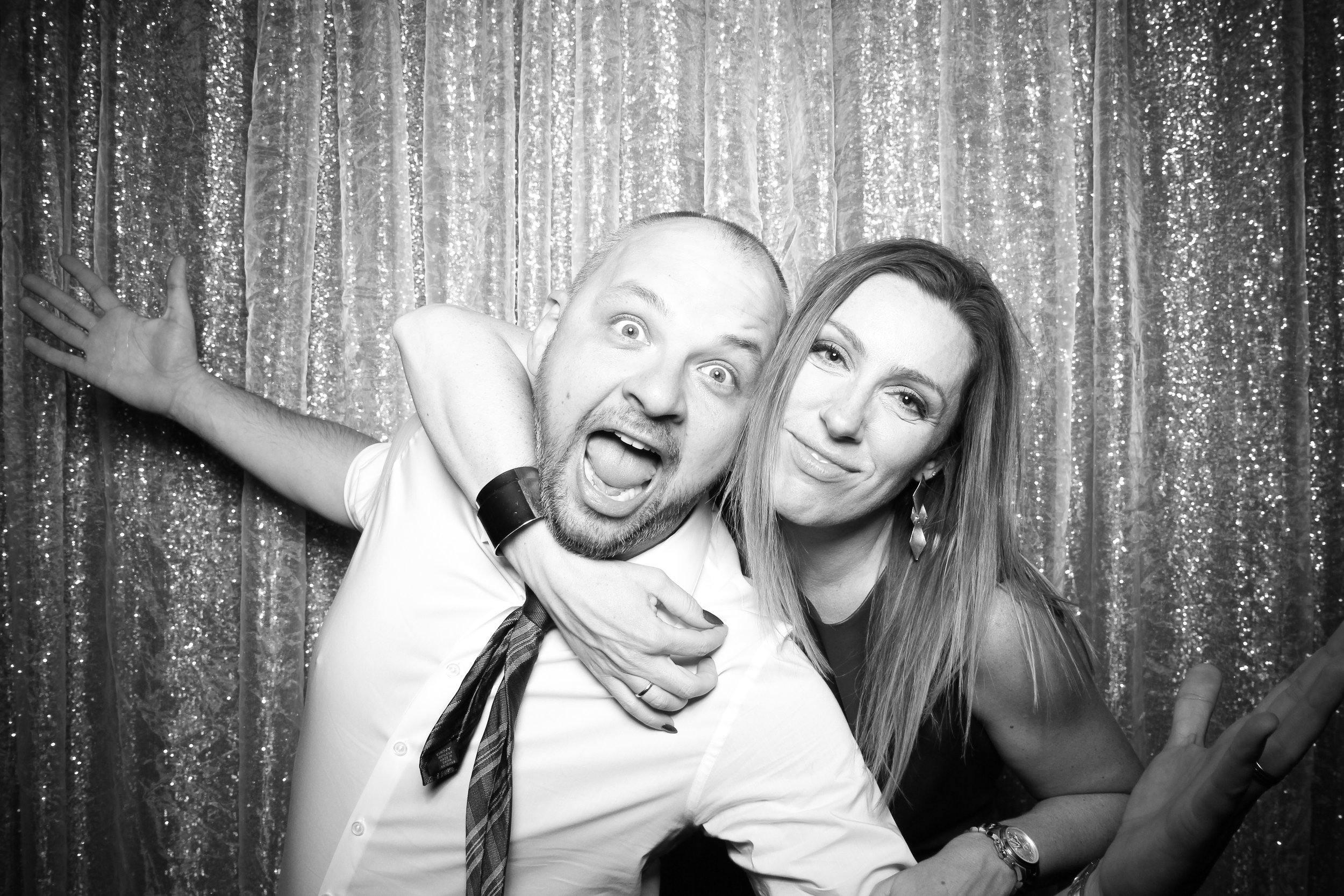Chicago_Vintage_Photobooth_Montgomery_Club_Holiday_Party_21.jpg