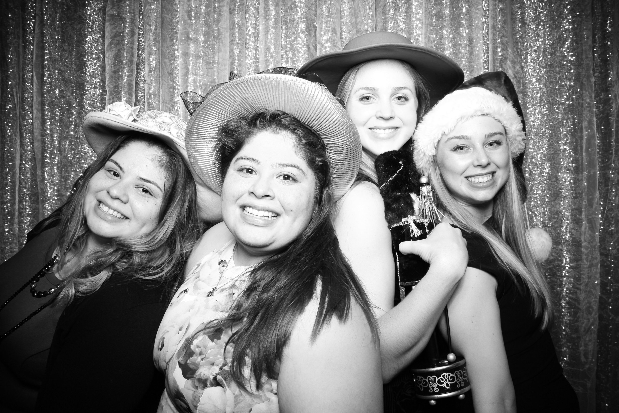 Chicago_Vintage_Photobooth_Montgomery_Club_Holiday_Party_25.jpg
