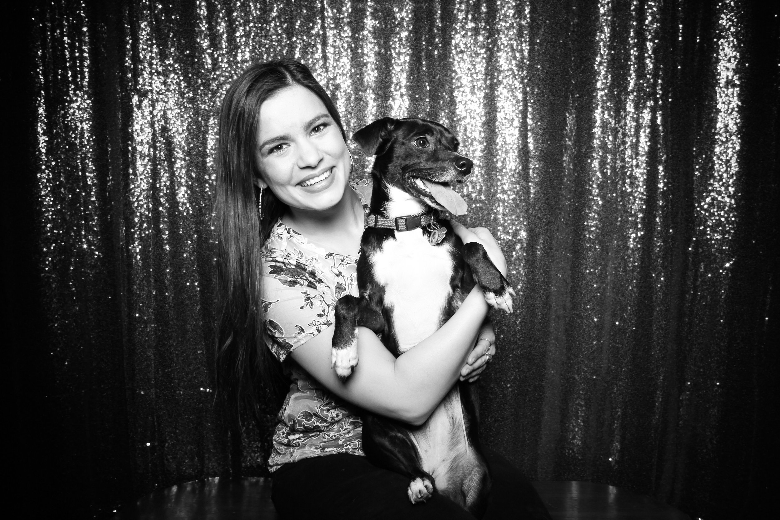 Chicago_Vintage_Photobooth_Valentines_Day_Dog_03.jpg